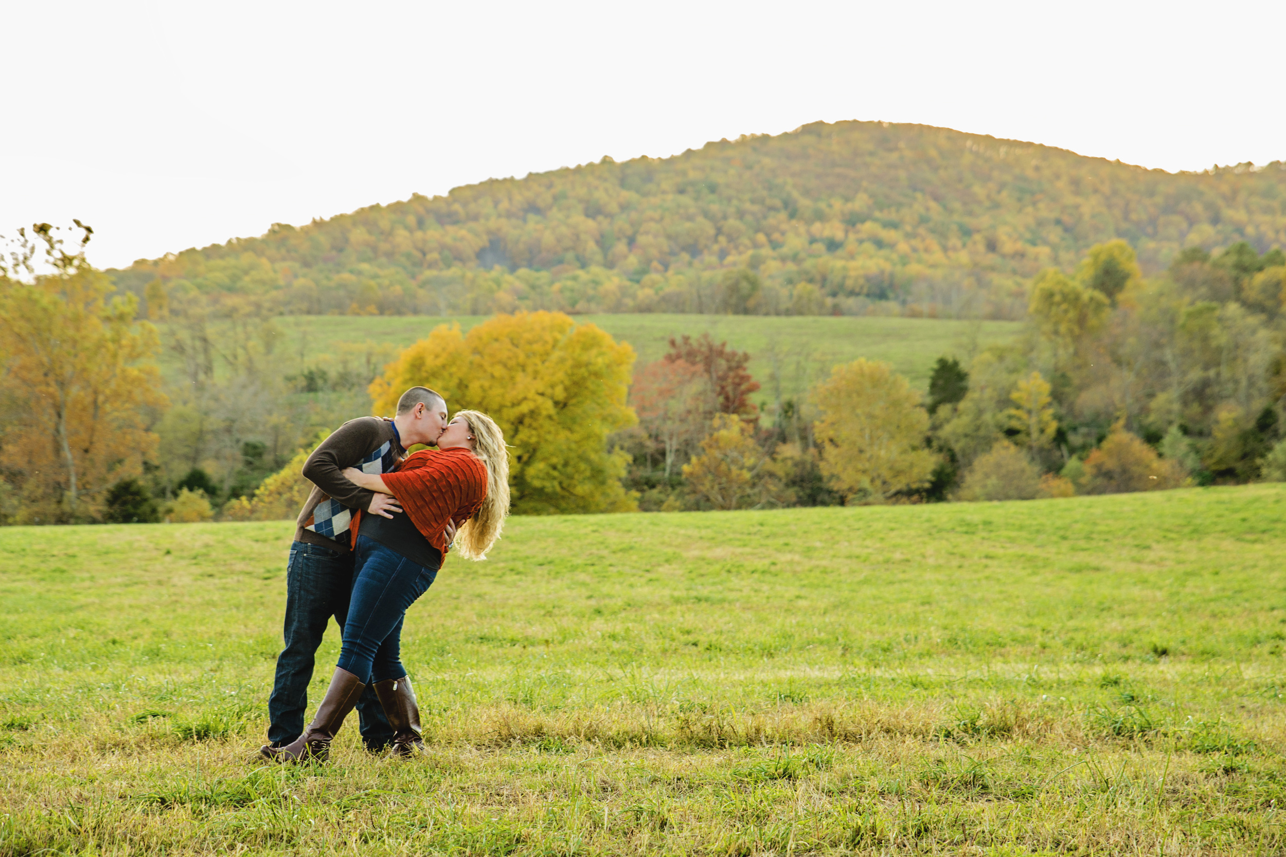 fall_romantic_orchard_engagement_session_lynchburg_va017.jpg
