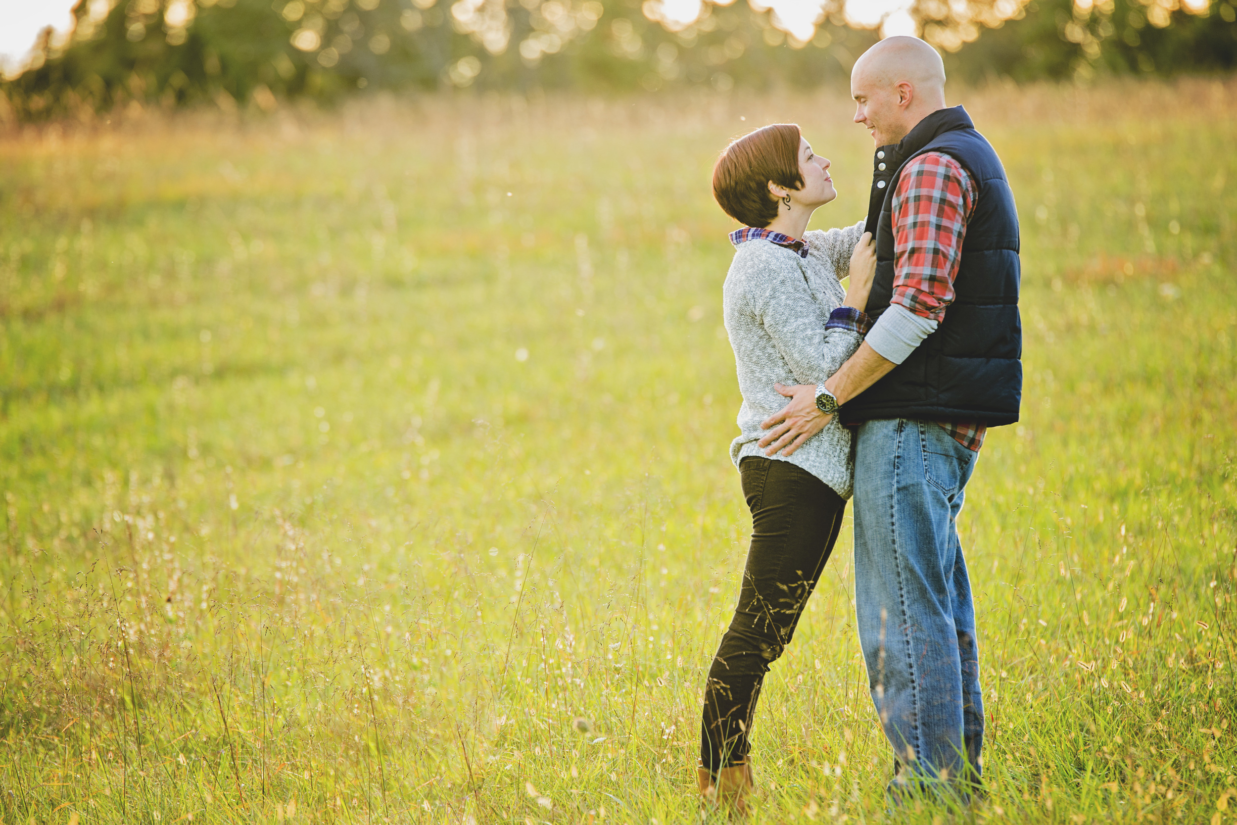 romantic_fall_field_engagement_session_lynchburg_va003.jpg