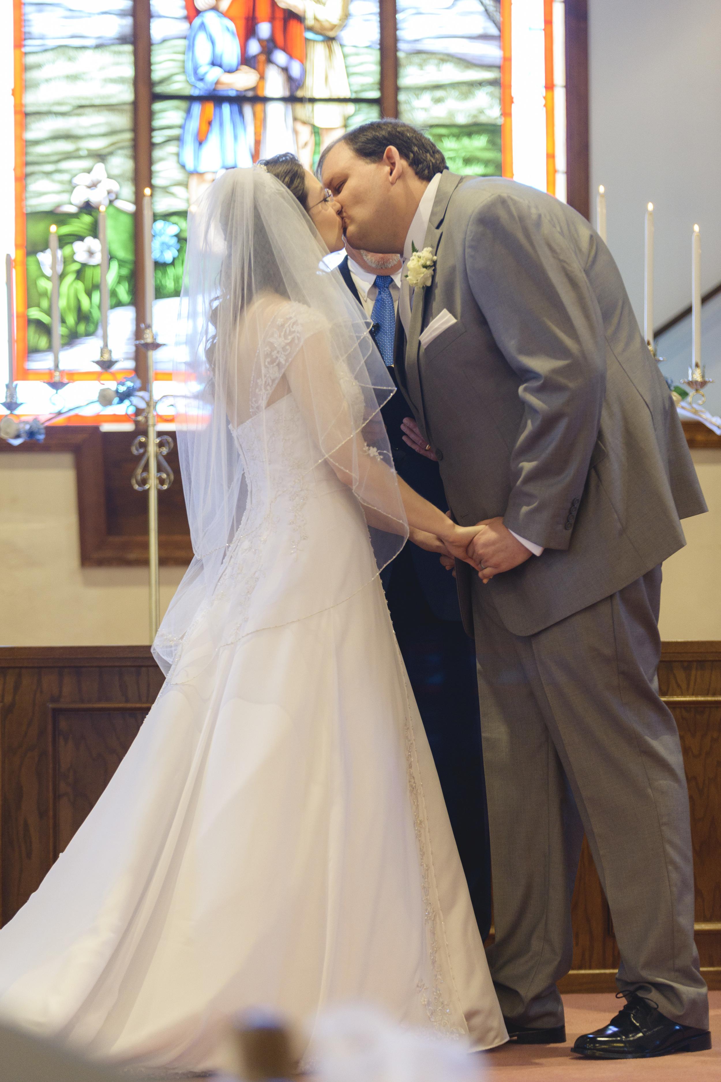 intimate_plantation_church_wedding_lynchburg_va011.jpg
