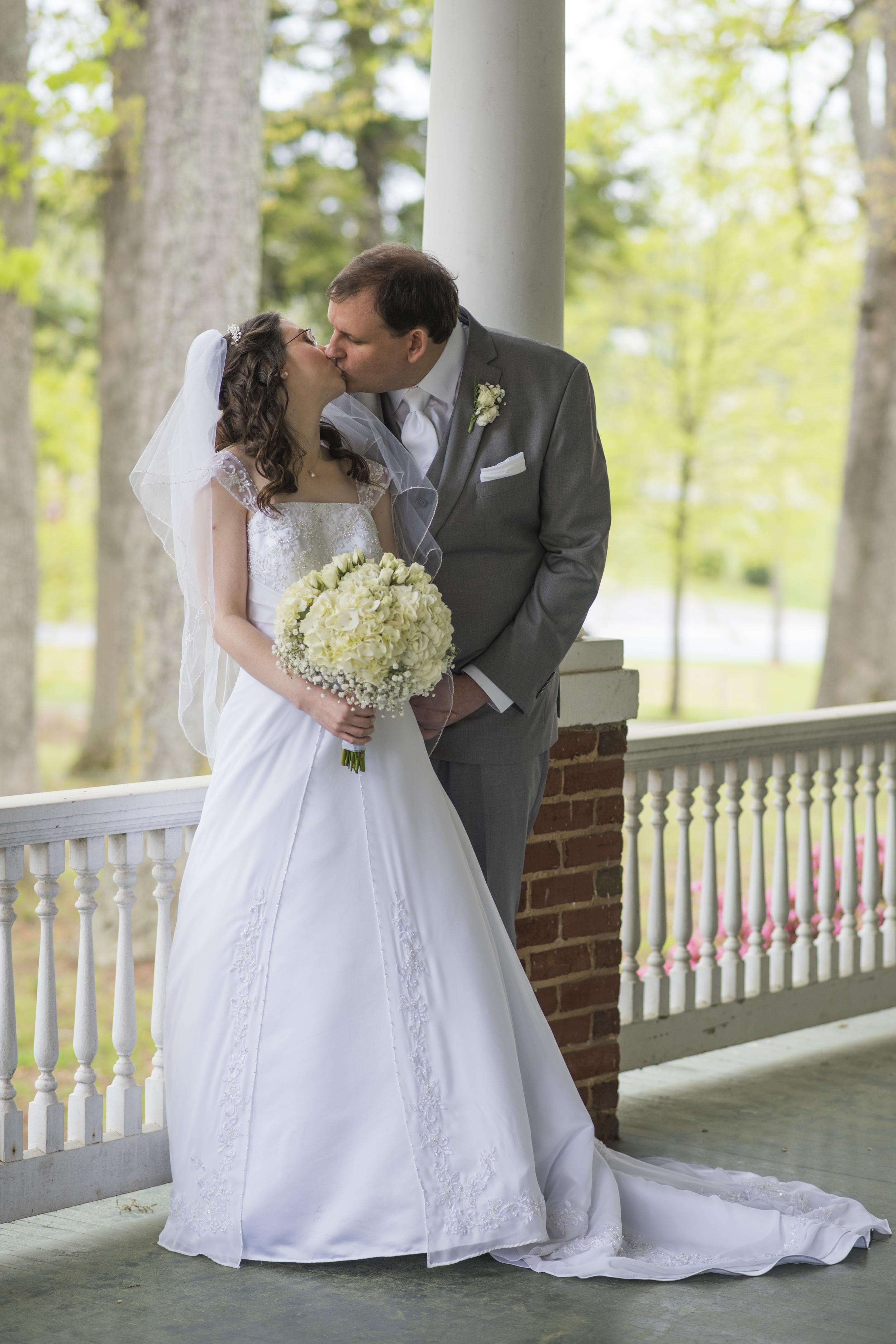 intimate_plantation_church_wedding_lynchburg_va020.jpg