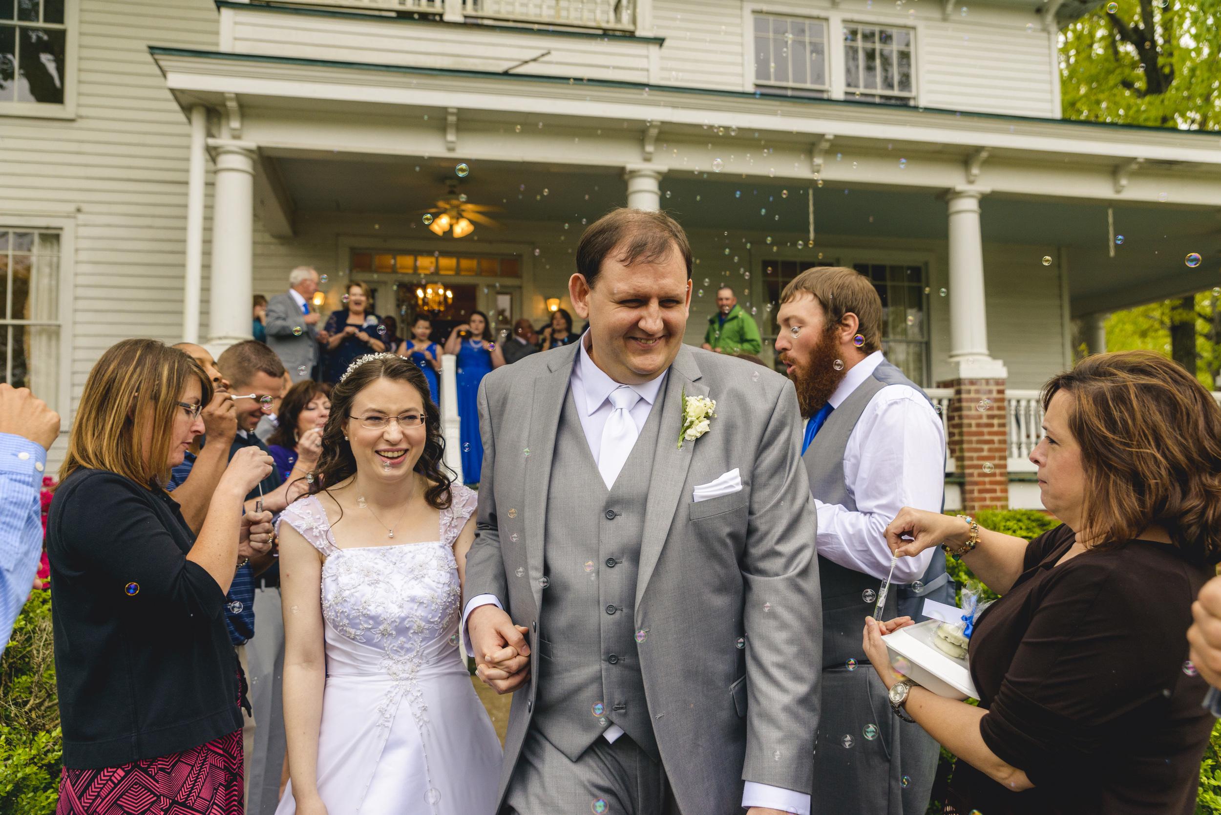 intimate_plantation_church_wedding_lynchburg_va038.jpg