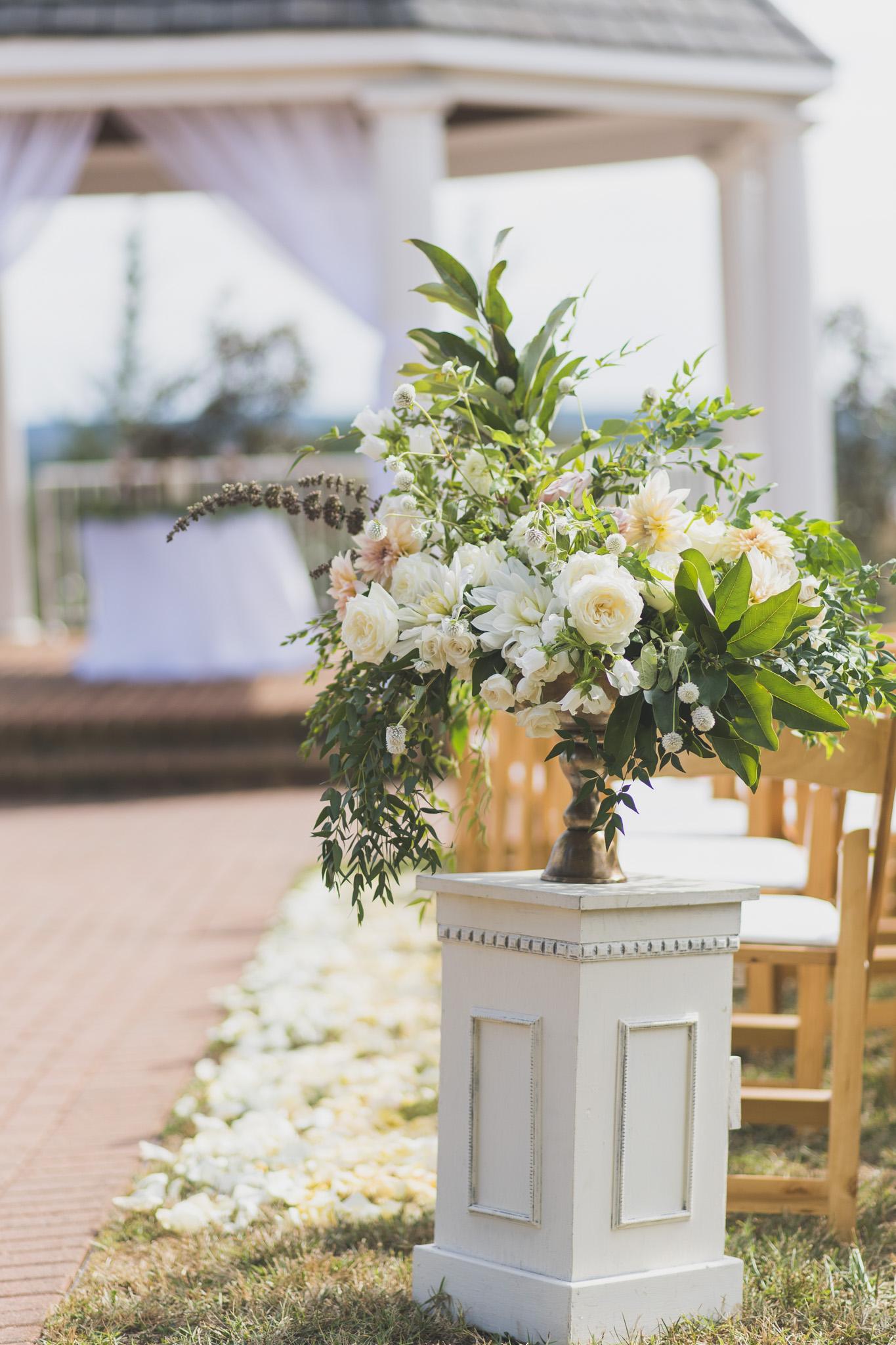 West Manor Wedding_Lynchburg VA_Classic_Black tie_Forest VA_Wedding_photos2042.jpg