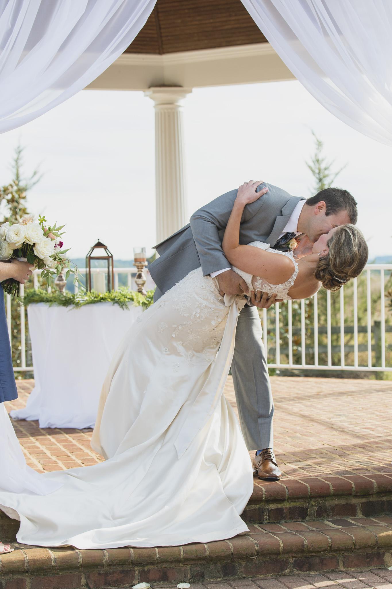West Manor Wedding_Lynchburg VA_Classic_Black tie_Forest VA_Wedding_photos2060.jpg