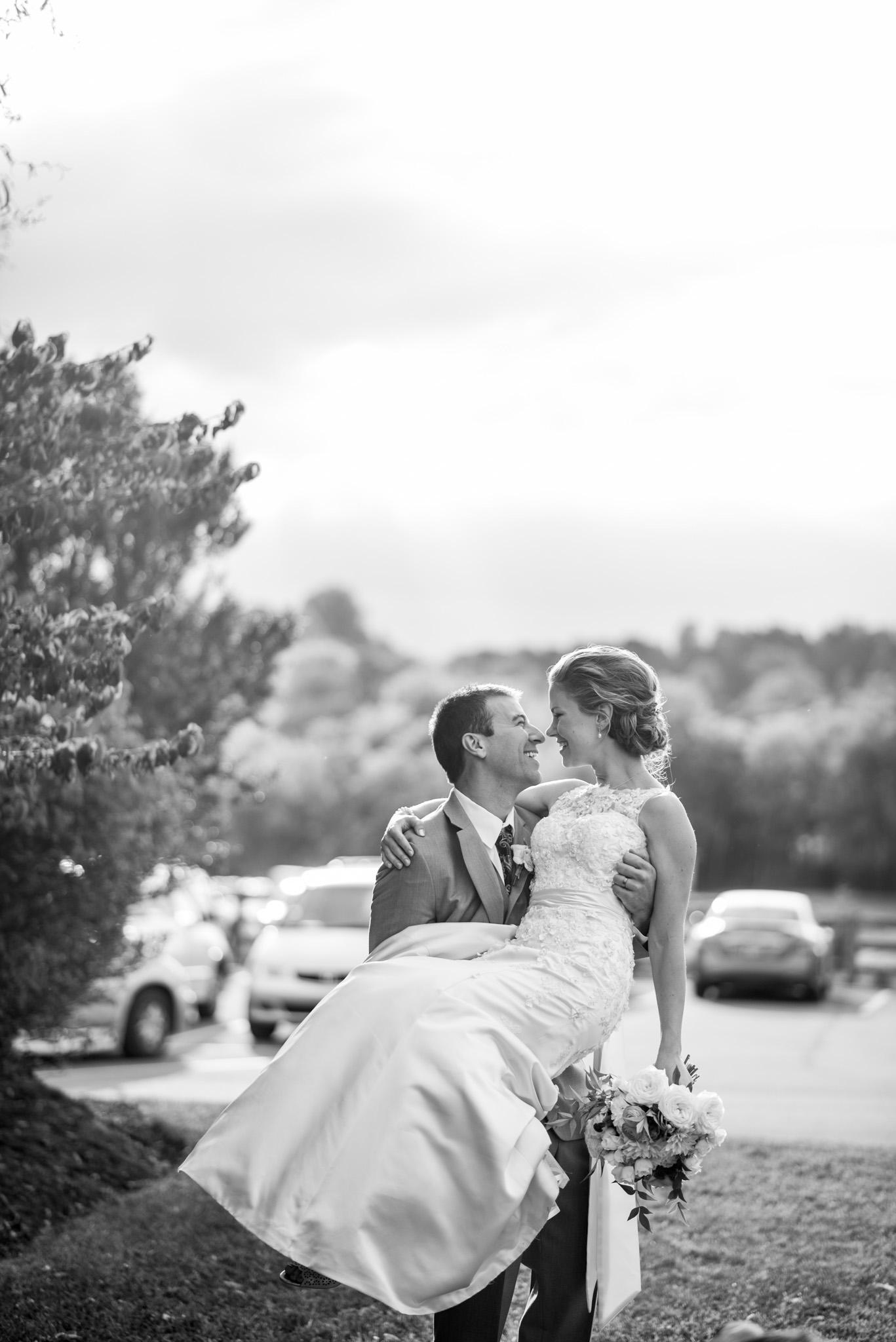 West Manor Wedding_Lynchburg VA_Classic_Black tie_Forest VA_Wedding_photos2086.jpg