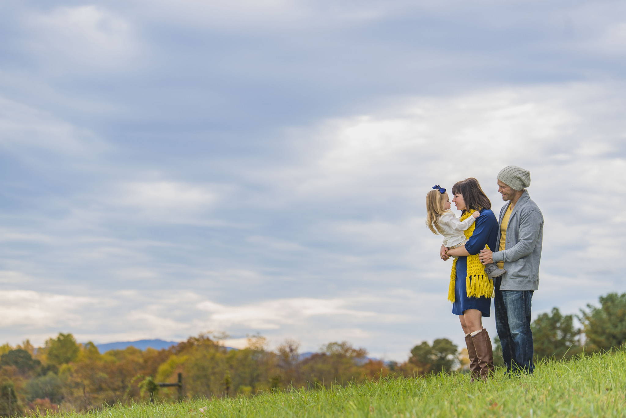 family_session_fall_field_lynchburg_va_photographers003.jpg