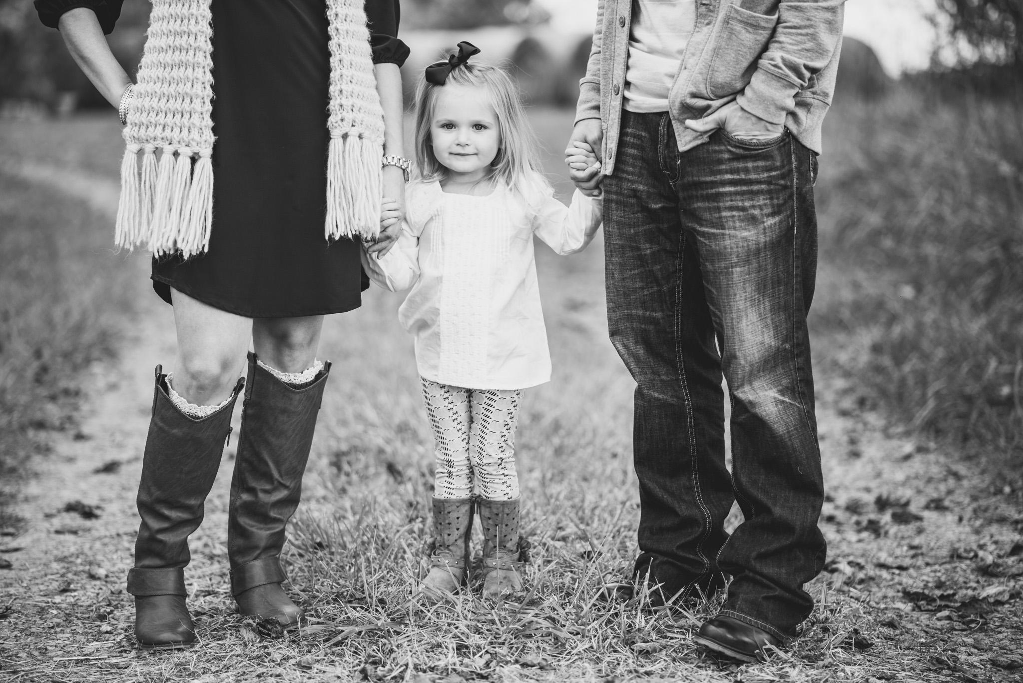 family_session_fall_field_lynchburg_va_photographers015.jpg