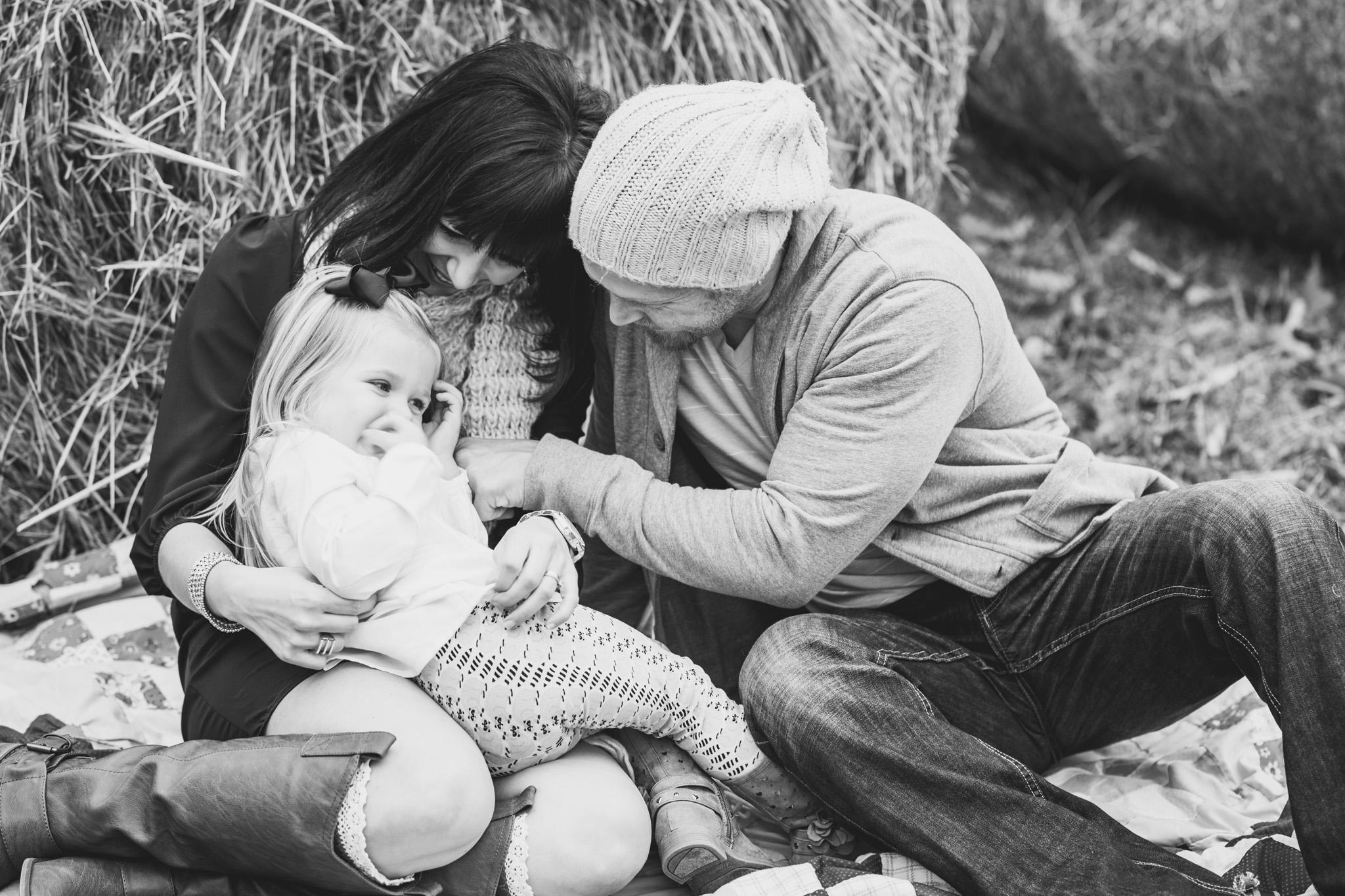 family_session_fall_field_lynchburg_va_photographers016.jpg