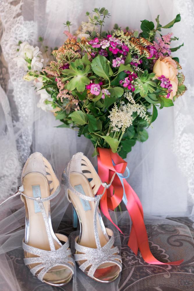 Lynchburg_VA_wedding_photographer_Photography_Sorella_Farms_Barn_Wedding015.jpg