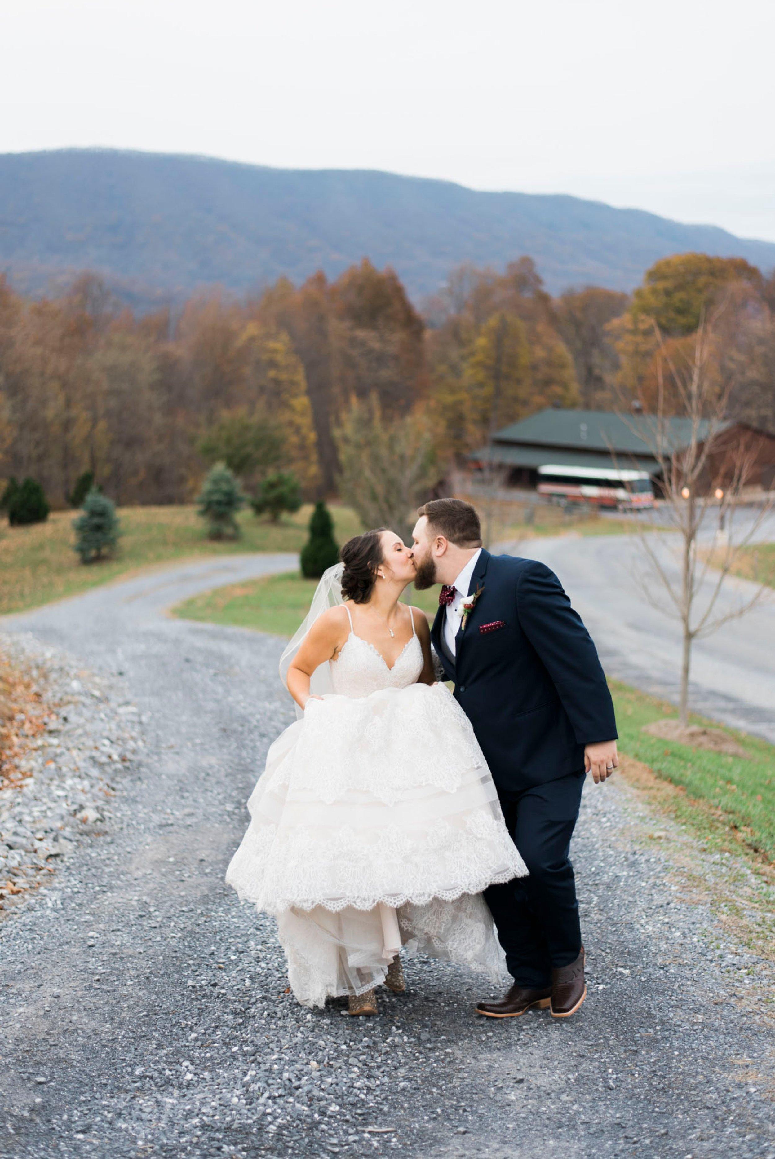 IrvineEstate_LexingtonVA_Wedding_FallWedding_VirginiaWeddingPhotographer 90.jpg