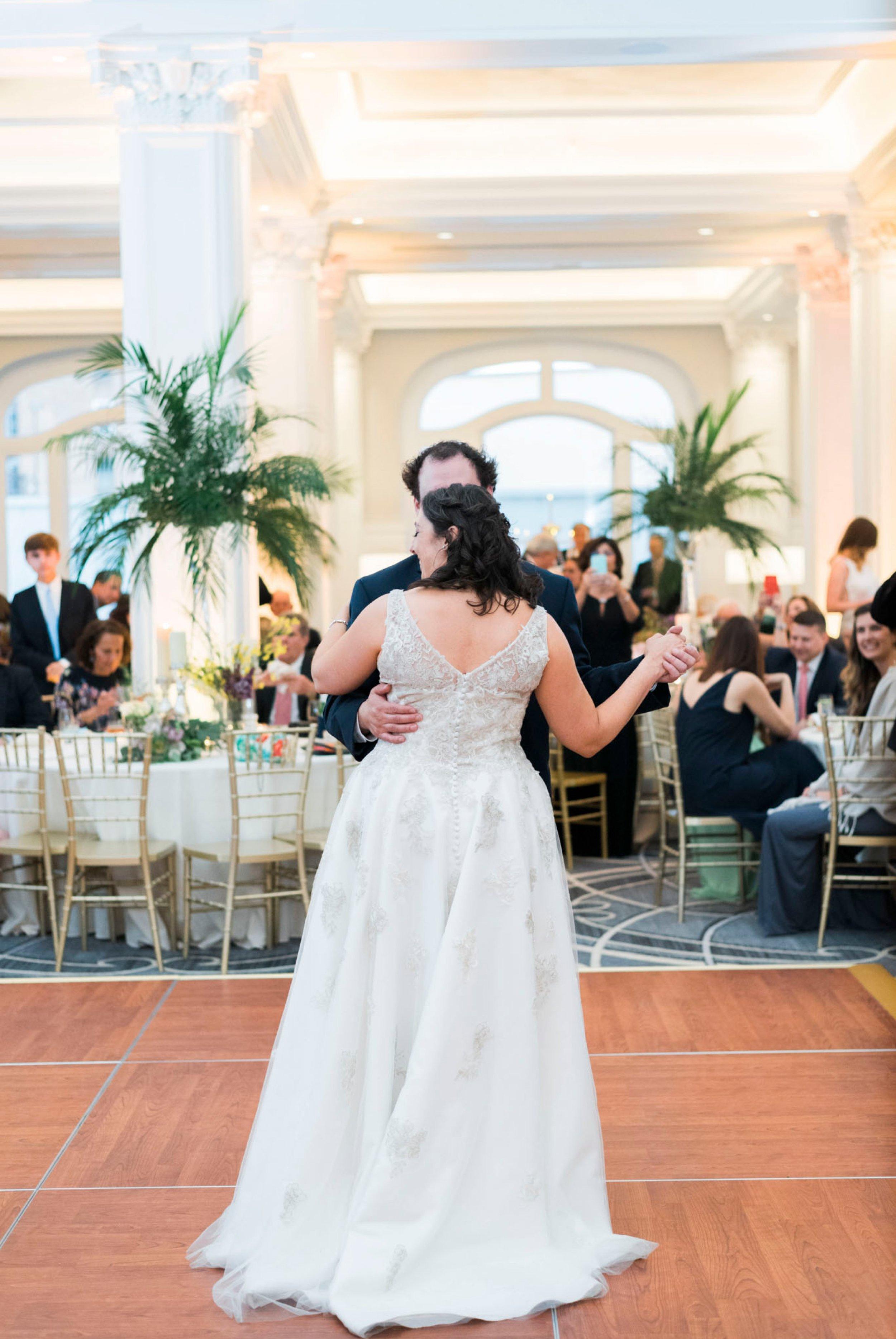 TheVirginianHotel_LynchburgVA_TheVirginianHotelWedding_Virginiaweddingphotographer_Lynchburgvawedding 16.jpg