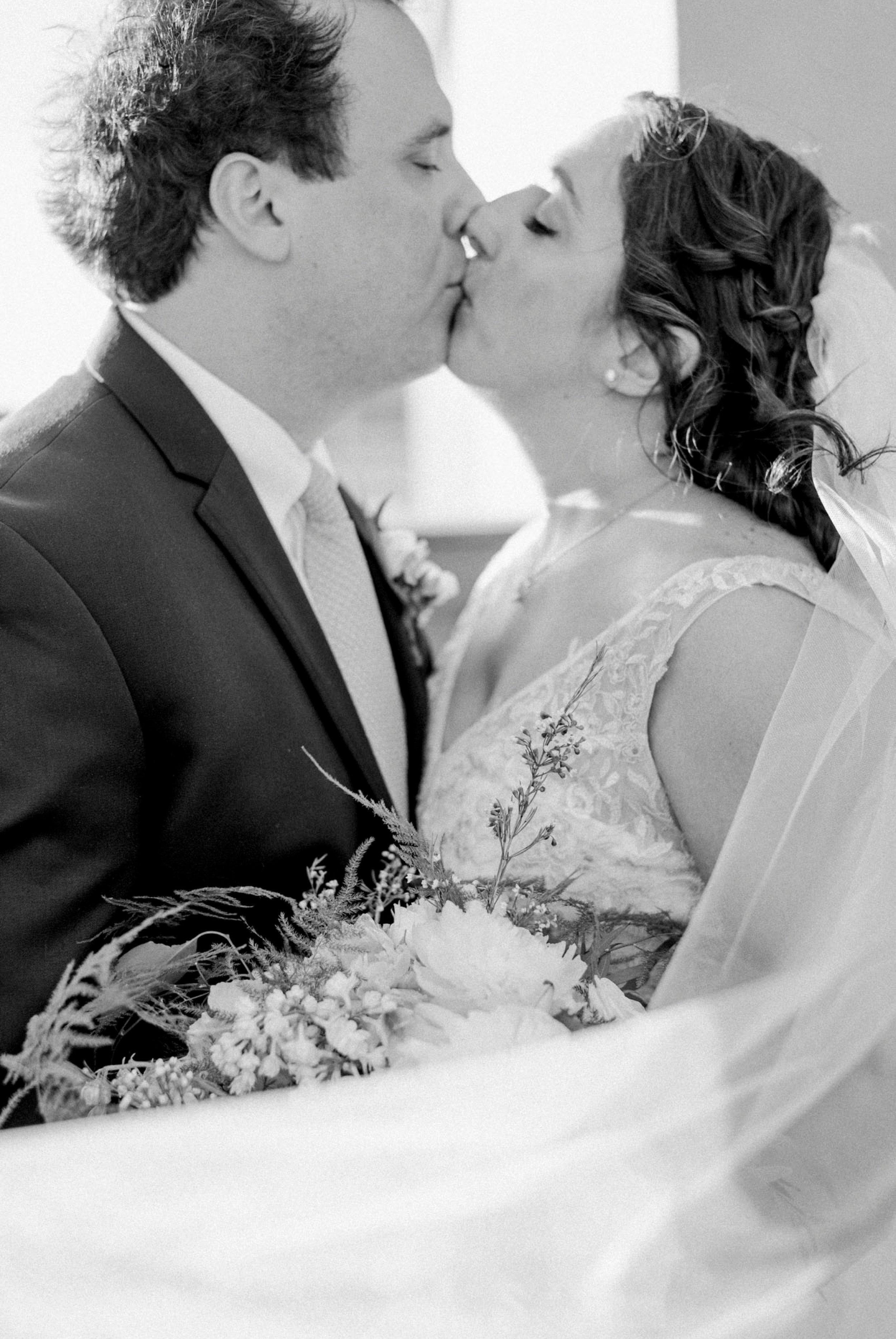 TheVirginianHotel_LynchburgVA_TheVirginianHotelWedding_Virginiaweddingphotographer_Lynchburgvawedding 43.jpg