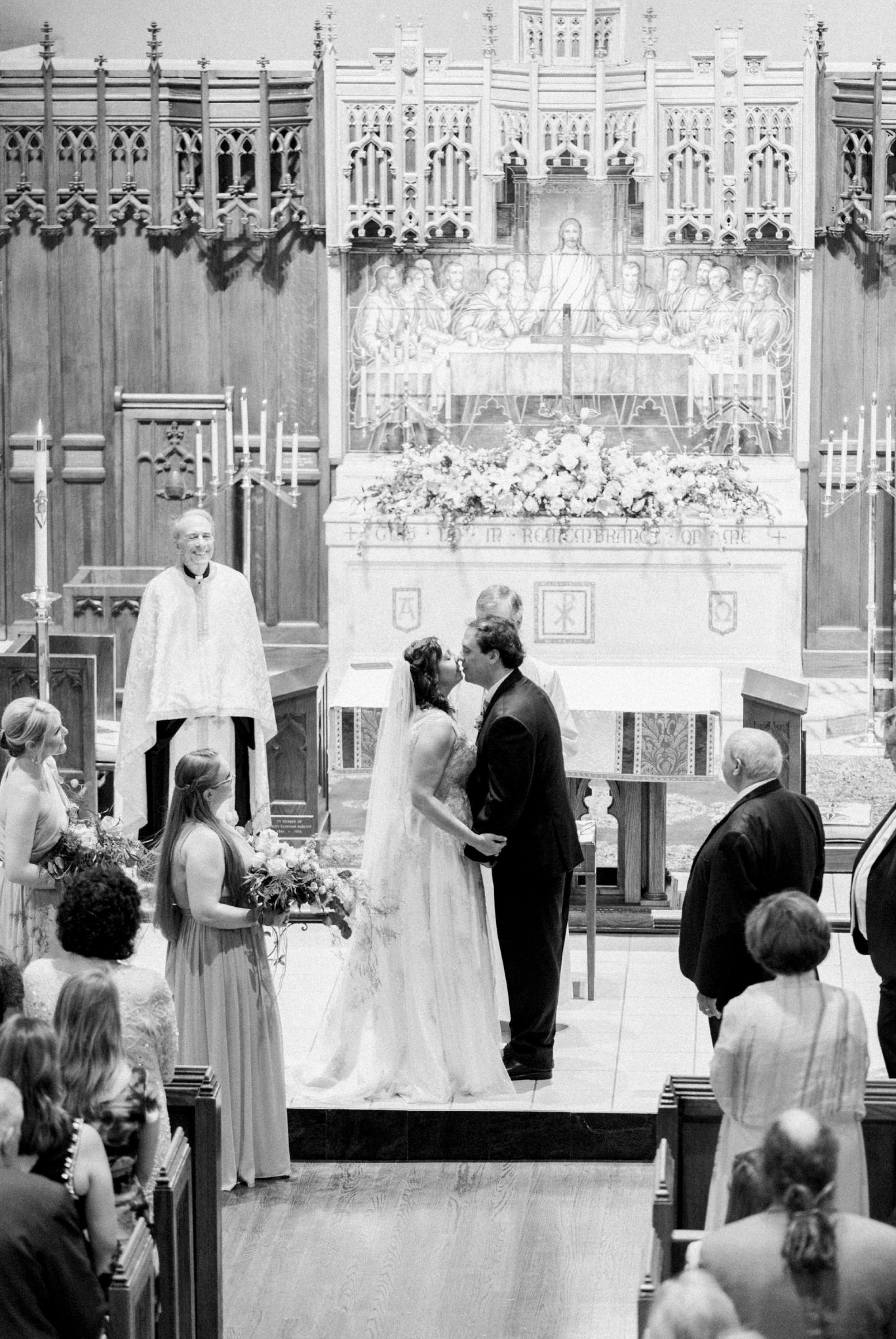 TheVirginianHotel_LynchburgVA_TheVirginianHotelWedding_Virginiaweddingphotographer_Lynchburgvawedding 35.jpg
