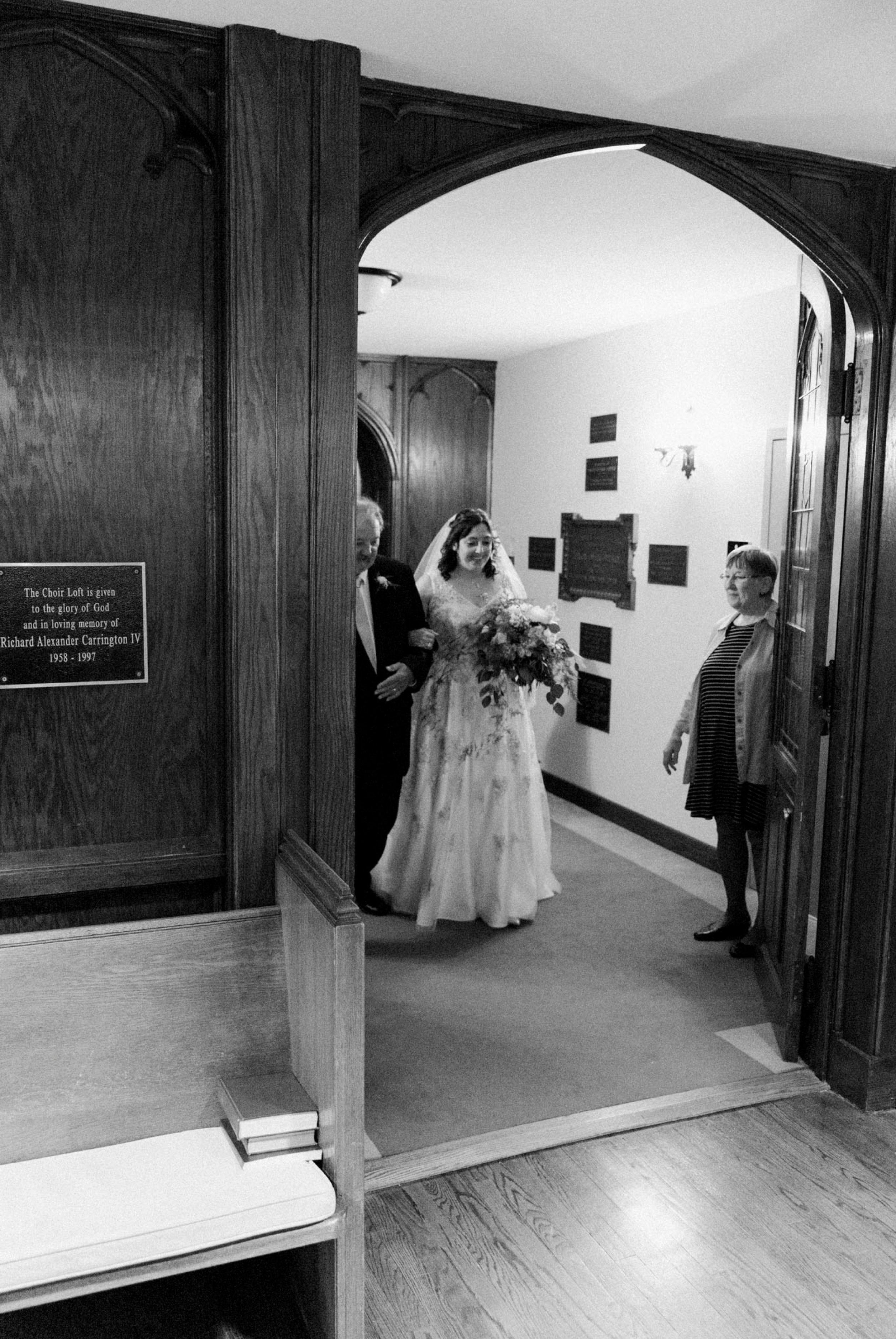 TheVirginianHotel_LynchburgVA_TheVirginianHotelWedding_Virginiaweddingphotographer_Lynchburgvawedding 24.jpg