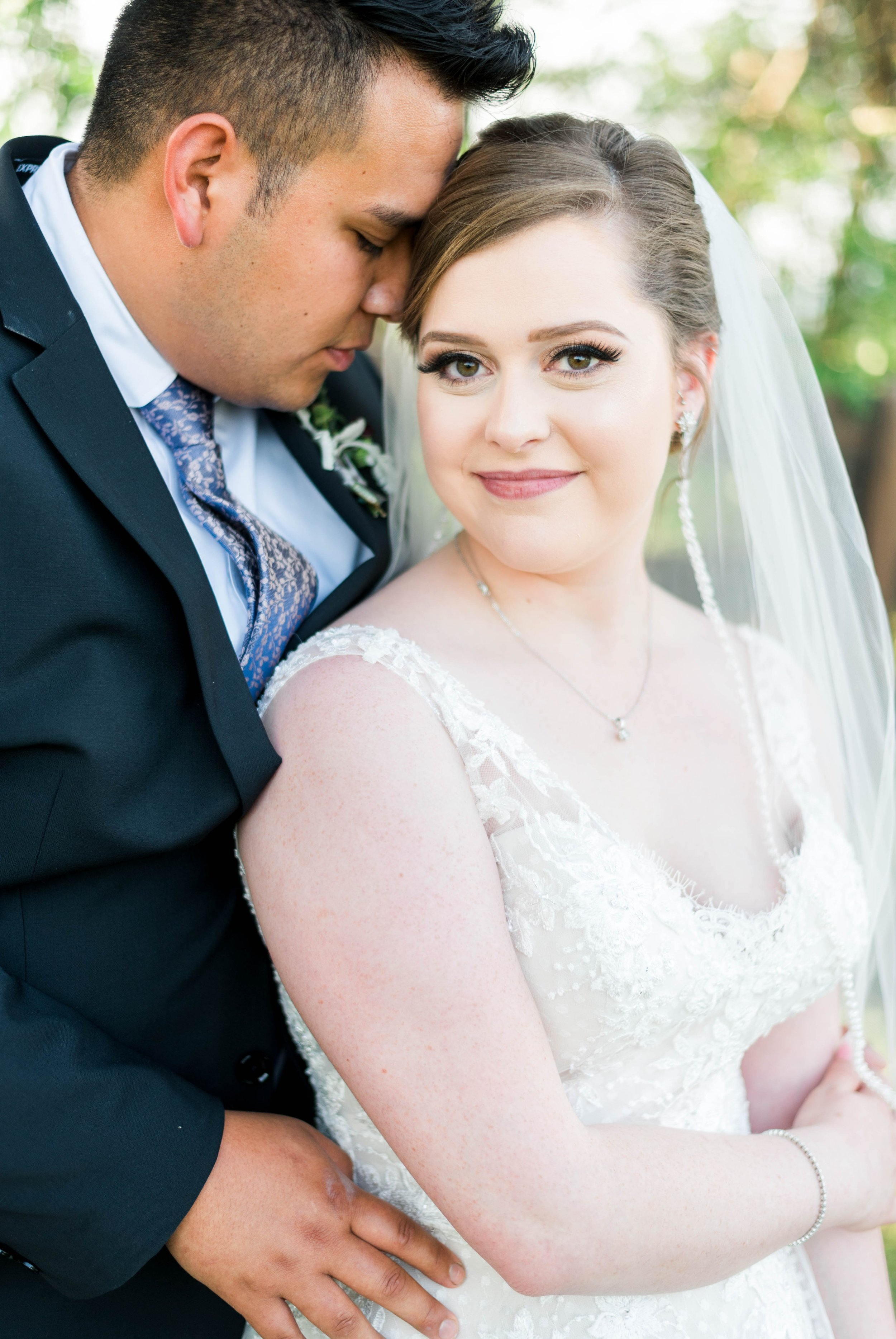 Jillian+Abi_OakridgeEstate_Wedding_VirginiaWeddingPhotographer_SpringWedding 35.jpg