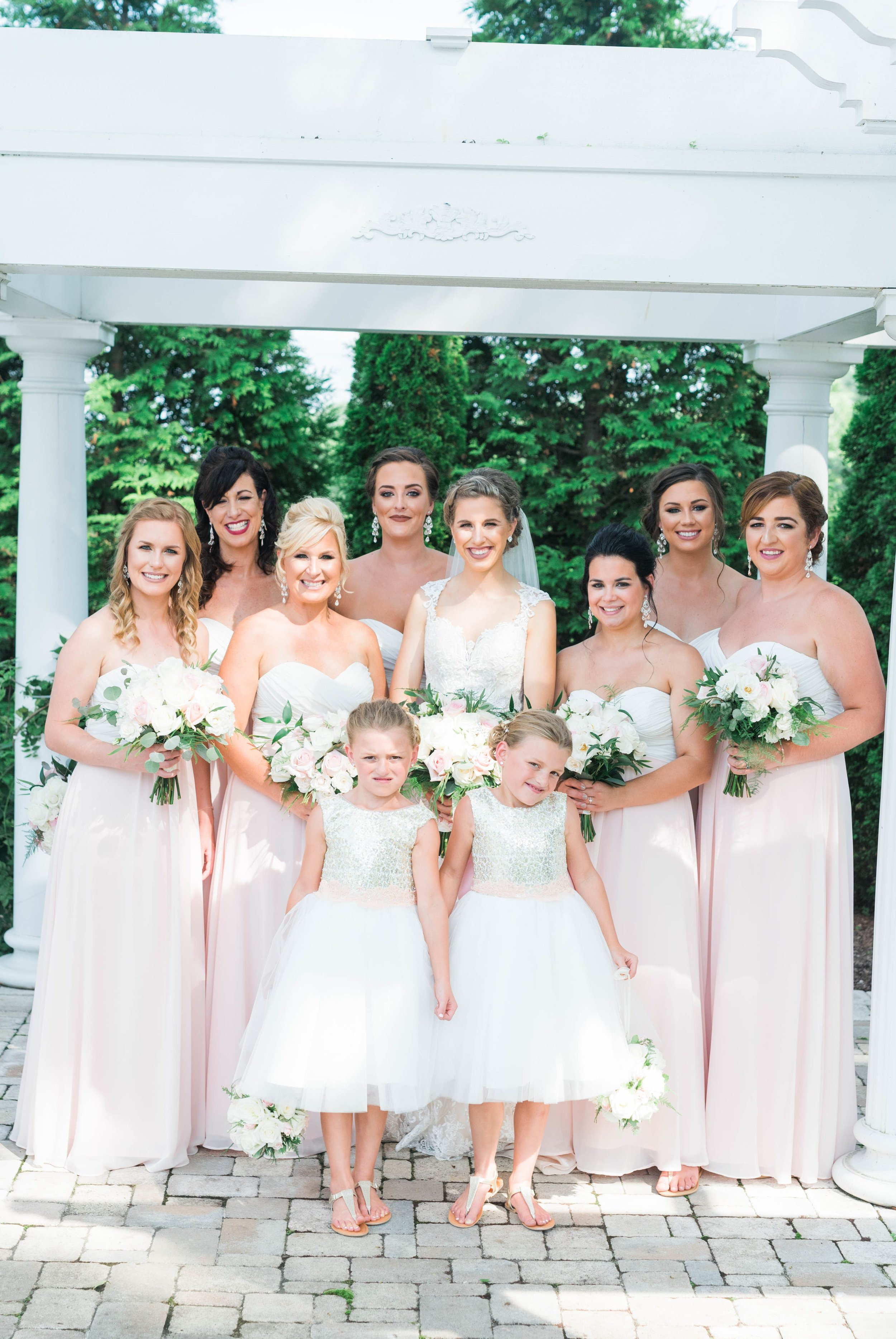 BedfordColumns_EntwinedEvents_Lynchburgwedding_VIrginiaweddingphotographer_ALlisonNIck 28.jpg