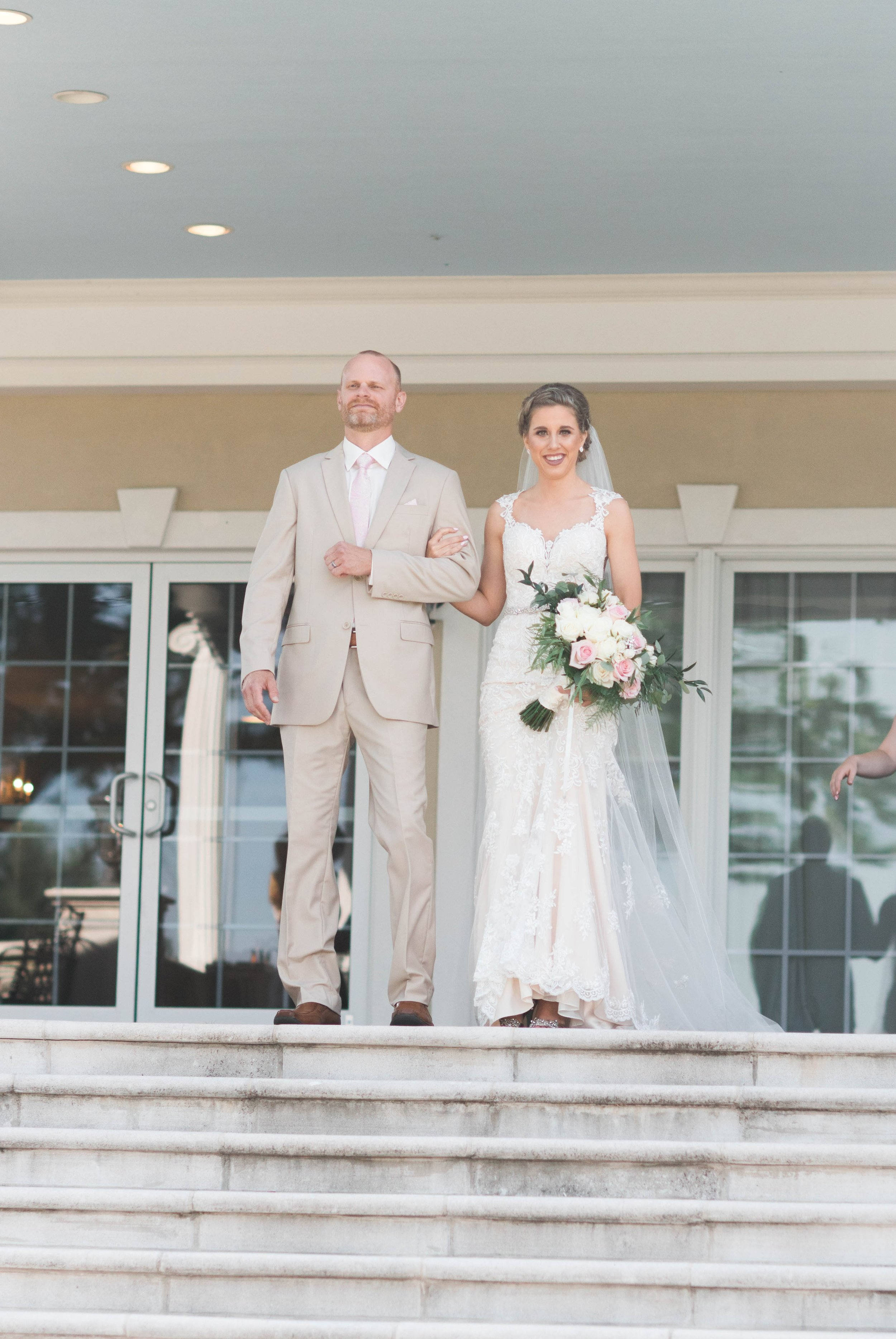 BedfordColumns_EntwinedEvents_Lynchburgwedding_VIrginiaweddingphotographer_ALlisonNIck 36.jpg