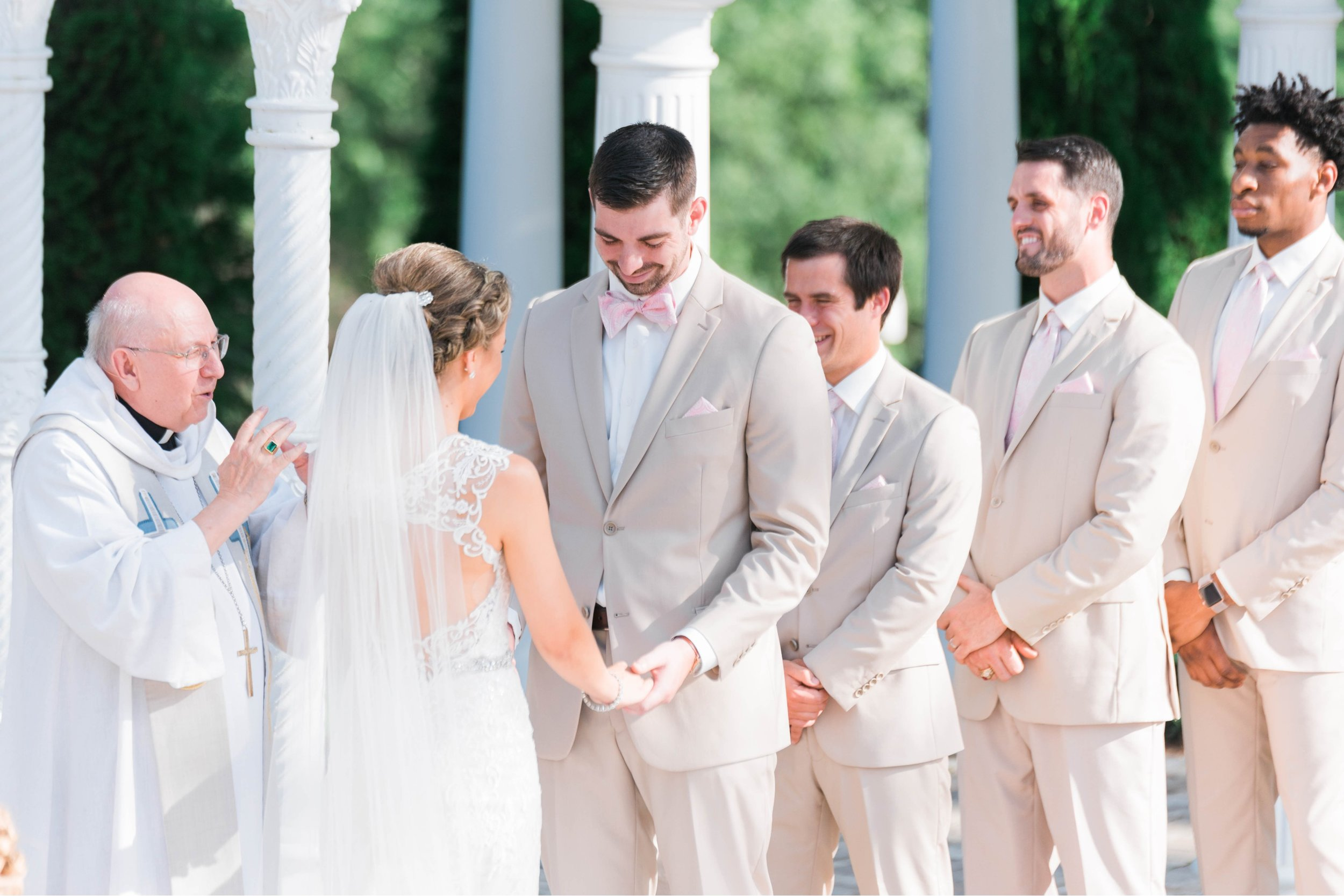 BedfordColumns_EntwinedEvents_Lynchburgwedding_VIrginiaweddingphotographer_ALlisonNIck 45.jpg