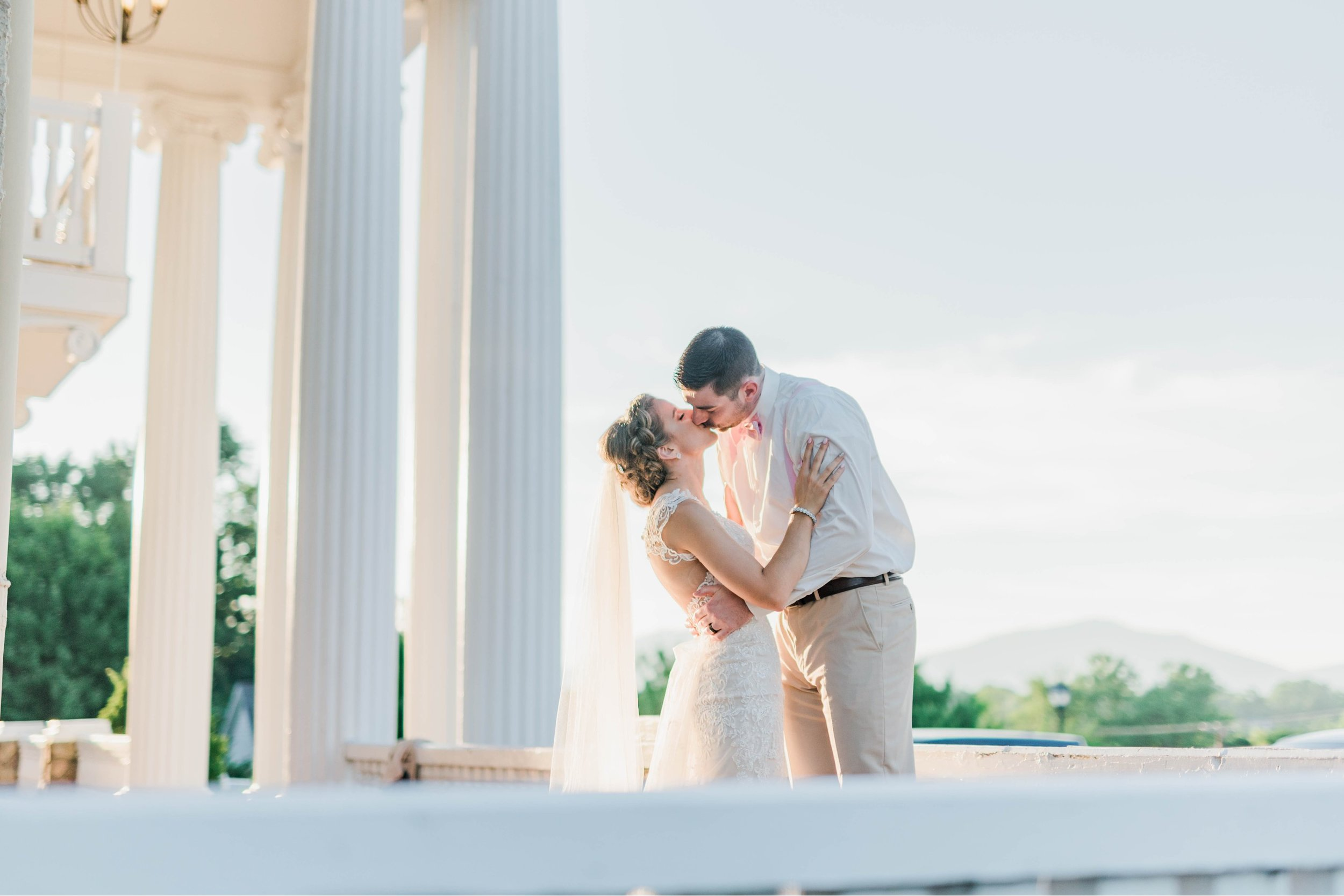 BedfordColumns_EntwinedEvents_Lynchburgwedding_VIrginiaweddingphotographer_ALlisonNIck 25.jpg