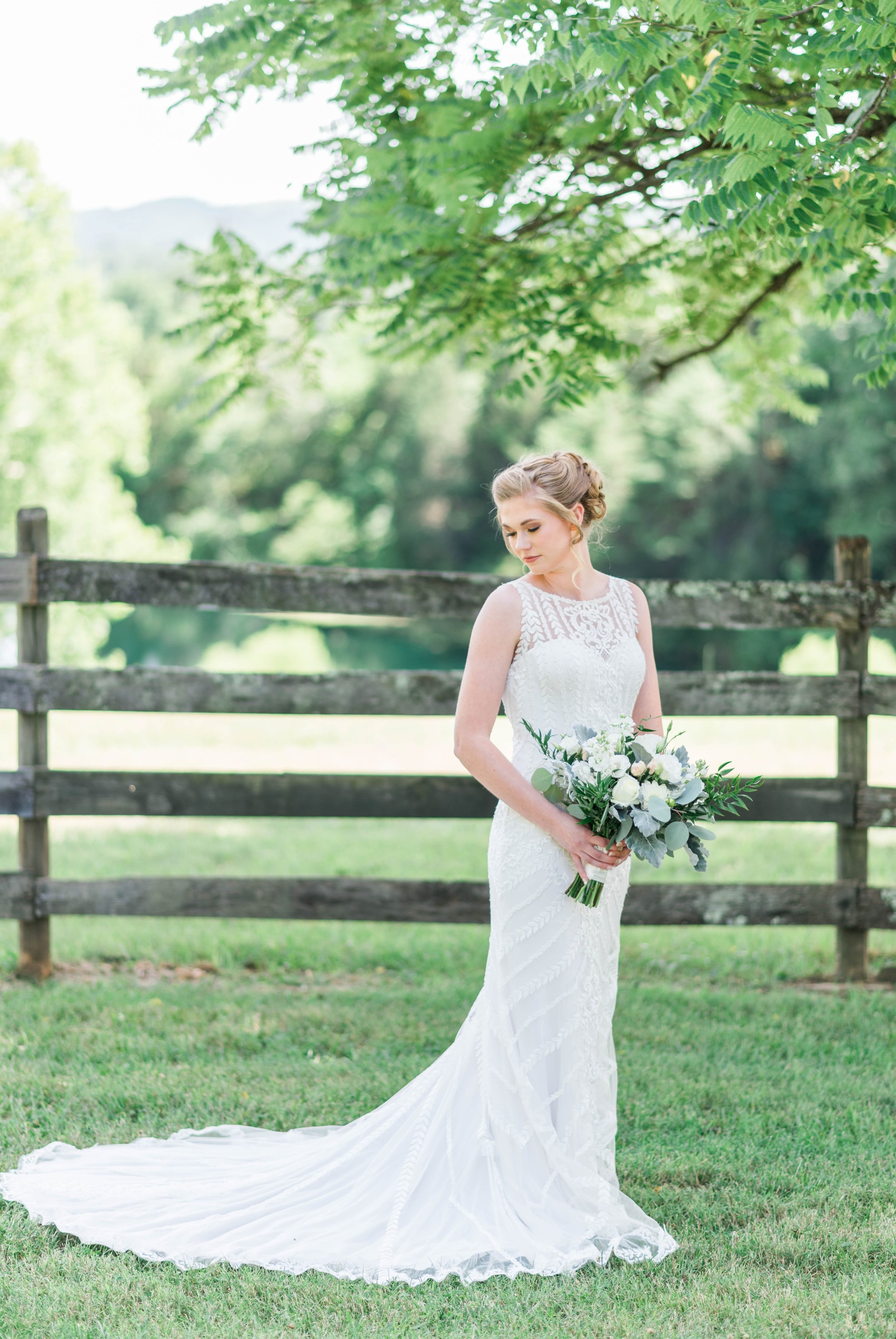 SorellaFarms_VirginiaWeddingPhotographer_BarnWedding_Lynchburgweddingphotographer_DanielleTyler 39.jpg