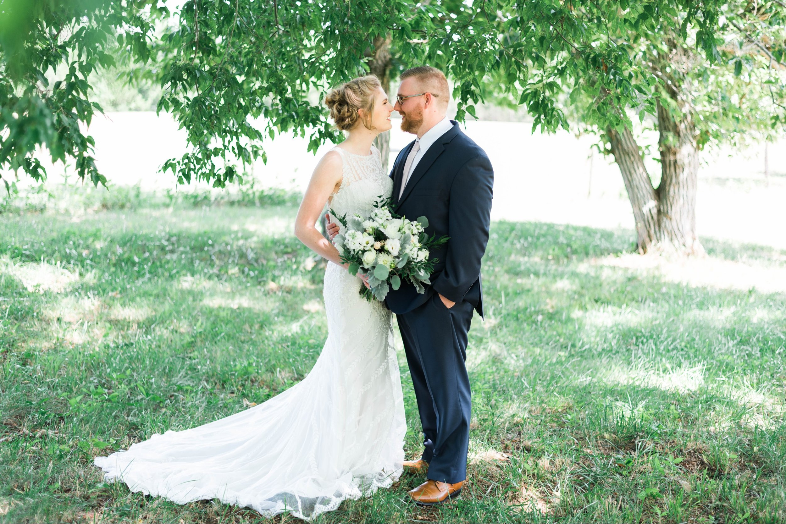 SorellaFarms_VirginiaWeddingPhotographer_BarnWedding_Lynchburgweddingphotographer_DanielleTyler 47.jpg