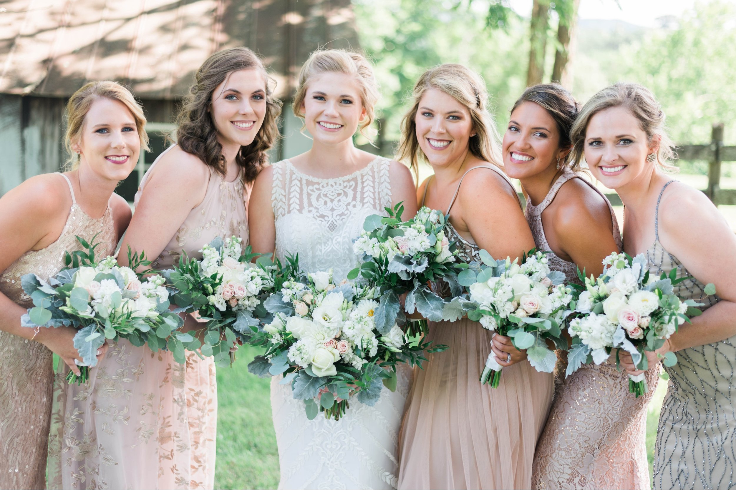 SorellaFarms_VirginiaWeddingPhotographer_BarnWedding_Lynchburgweddingphotographer_DanielleTyler 14.jpg