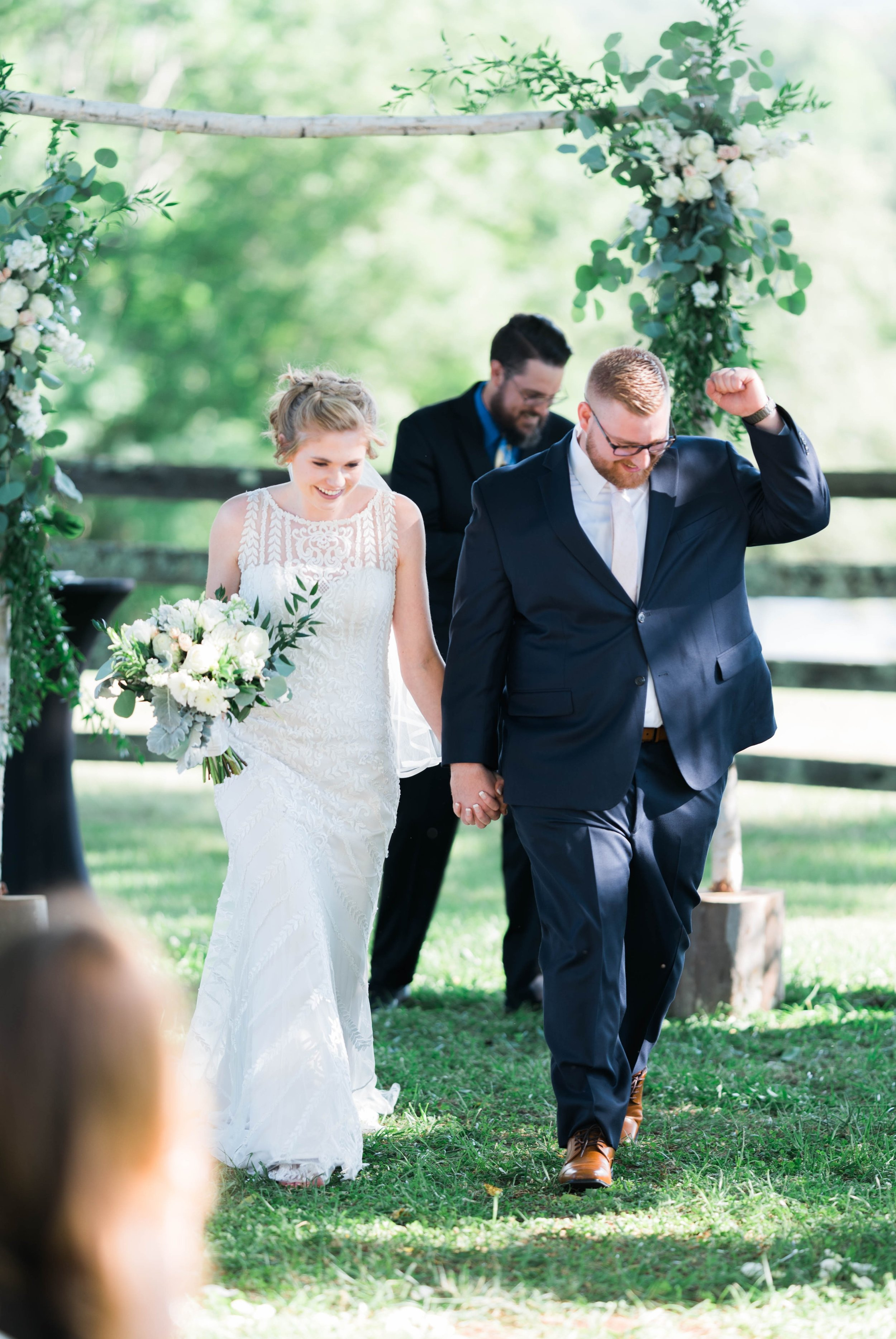 SorellaFarms_VirginiaWeddingPhotographer_BarnWedding_Lynchburgweddingphotographer_DanielleTyler 2.jpg