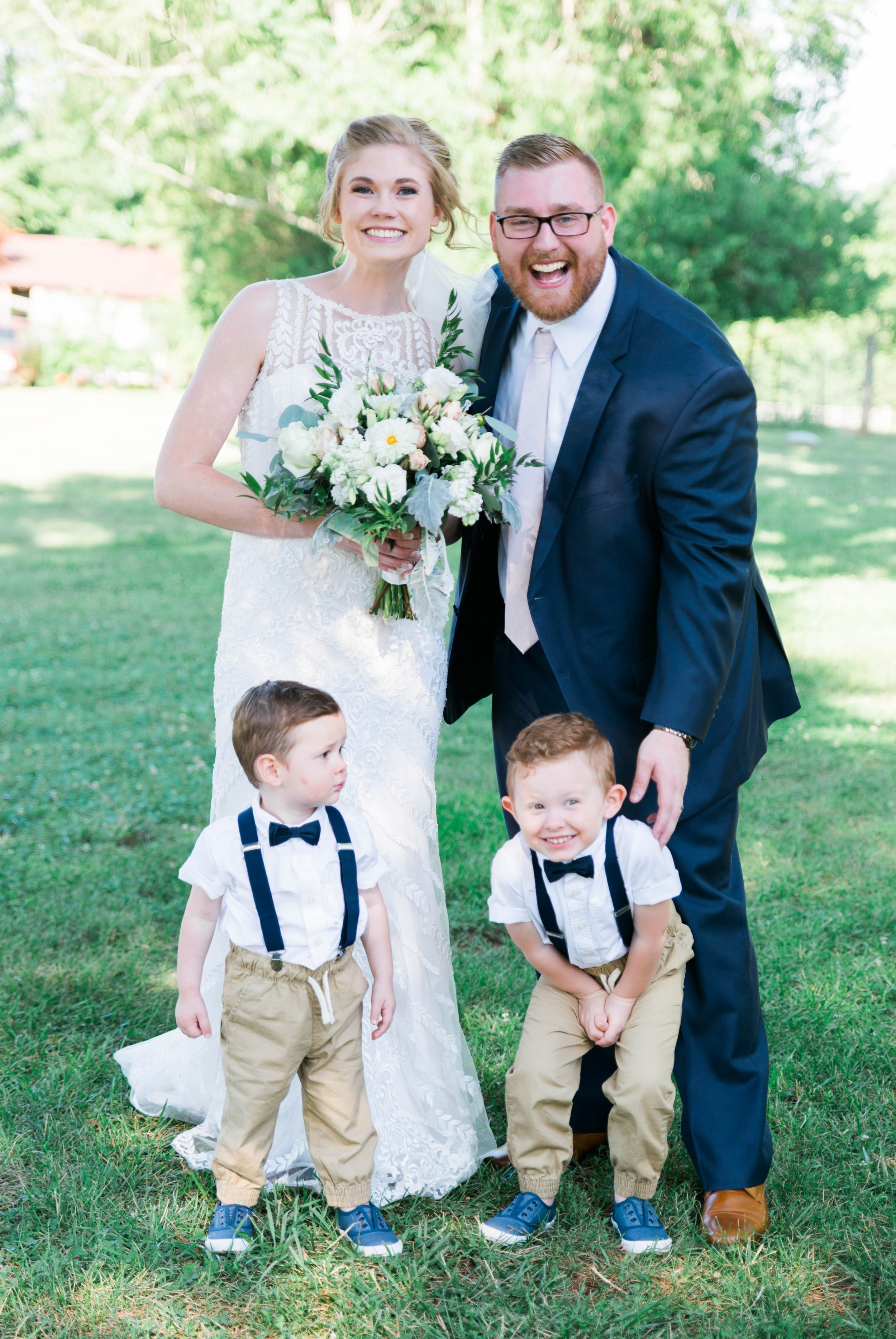 SorellaFarms_VirginiaWeddingPhotographer_BarnWedding_Lynchburgweddingphotographer_DanielleTyler 4.jpg