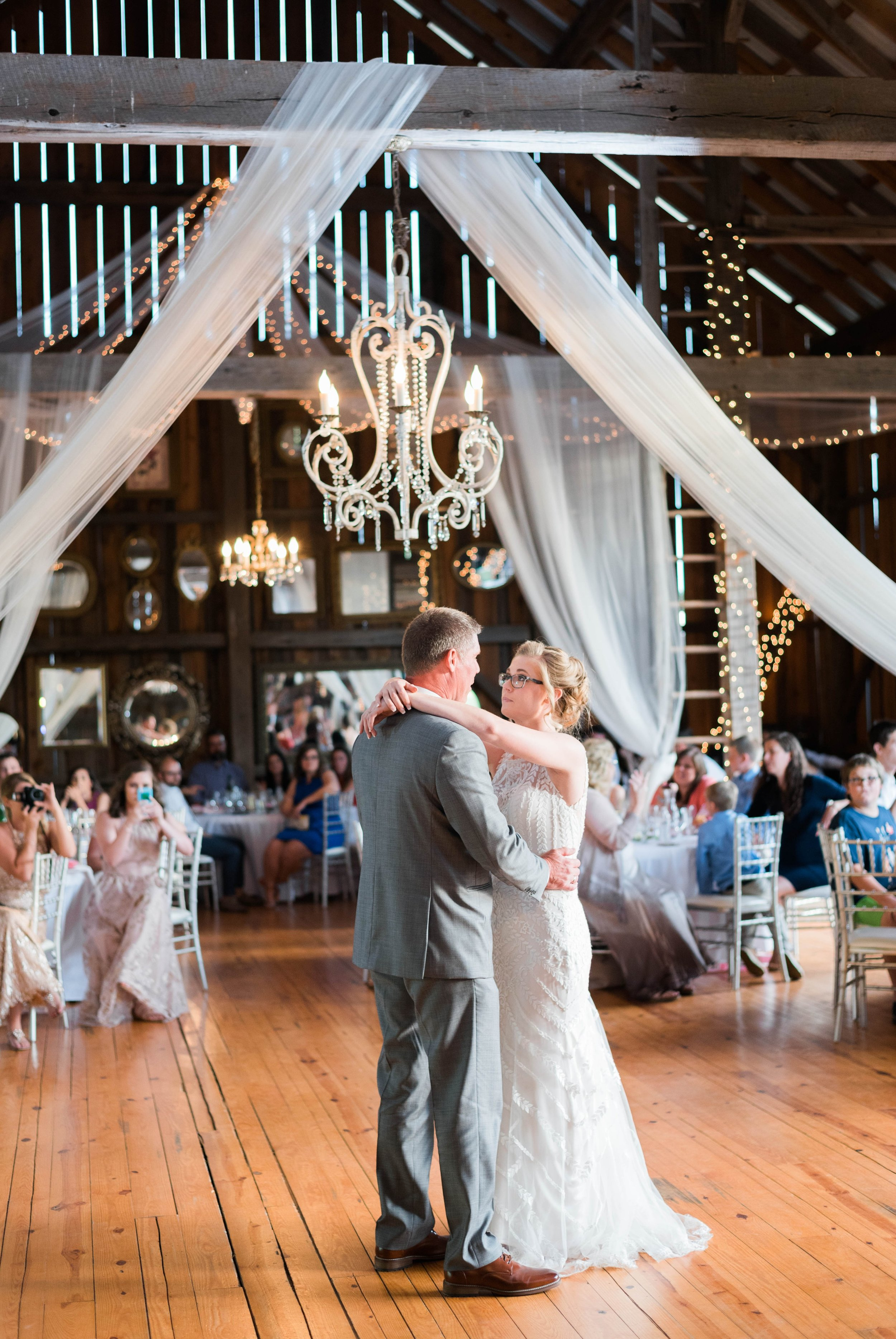 SorellaFarms_VirginiaWeddingPhotographer_BarnWedding_Lynchburgweddingphotographer_DanielleTyler 15.jpg
