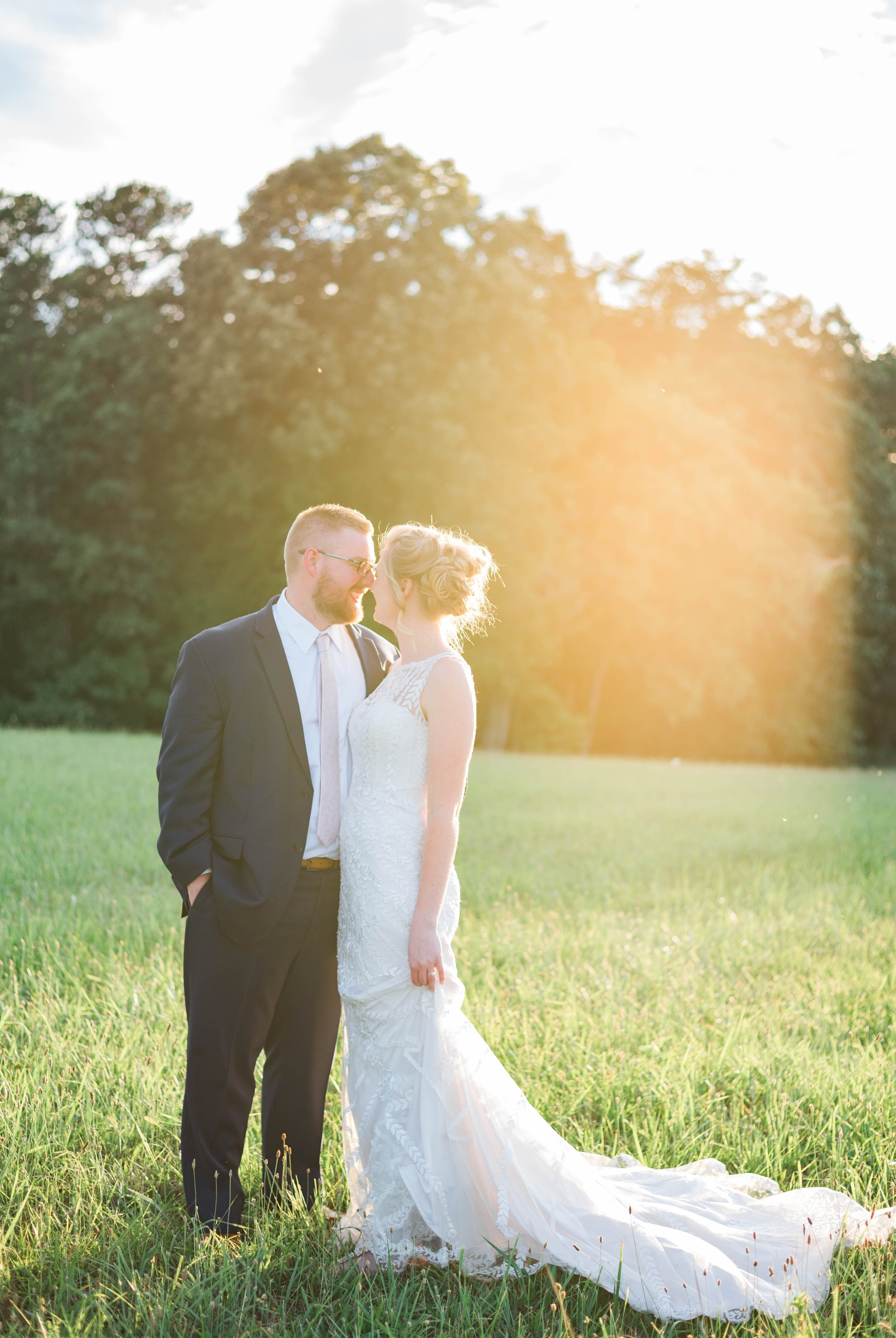SorellaFarms_VirginiaWeddingPhotographer_BarnWedding_Lynchburgweddingphotographer_DanielleTyler 19.jpg
