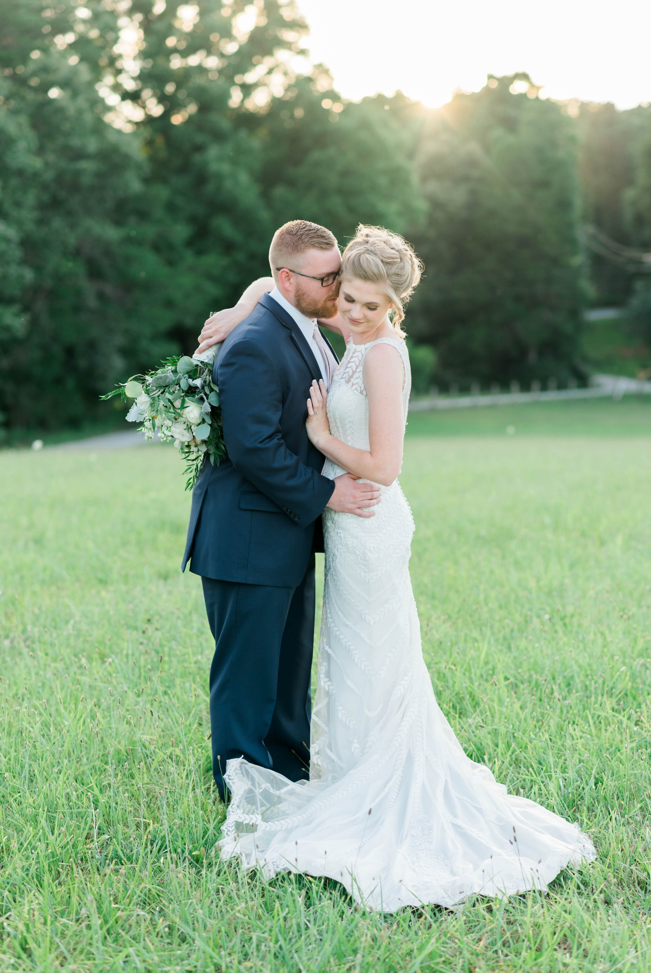 SorellaFarms_VirginiaWeddingPhotographer_BarnWedding_Lynchburgweddingphotographer_DanielleTyler 24.jpg