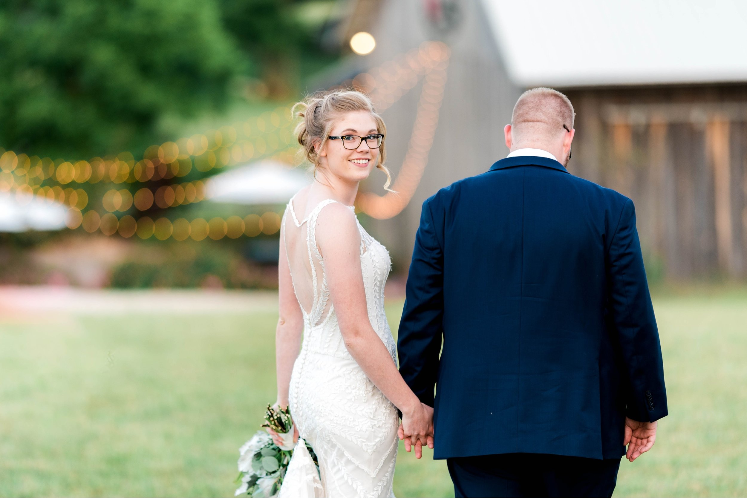 SorellaFarms_VirginiaWeddingPhotographer_BarnWedding_Lynchburgweddingphotographer_DanielleTyler 36.jpg