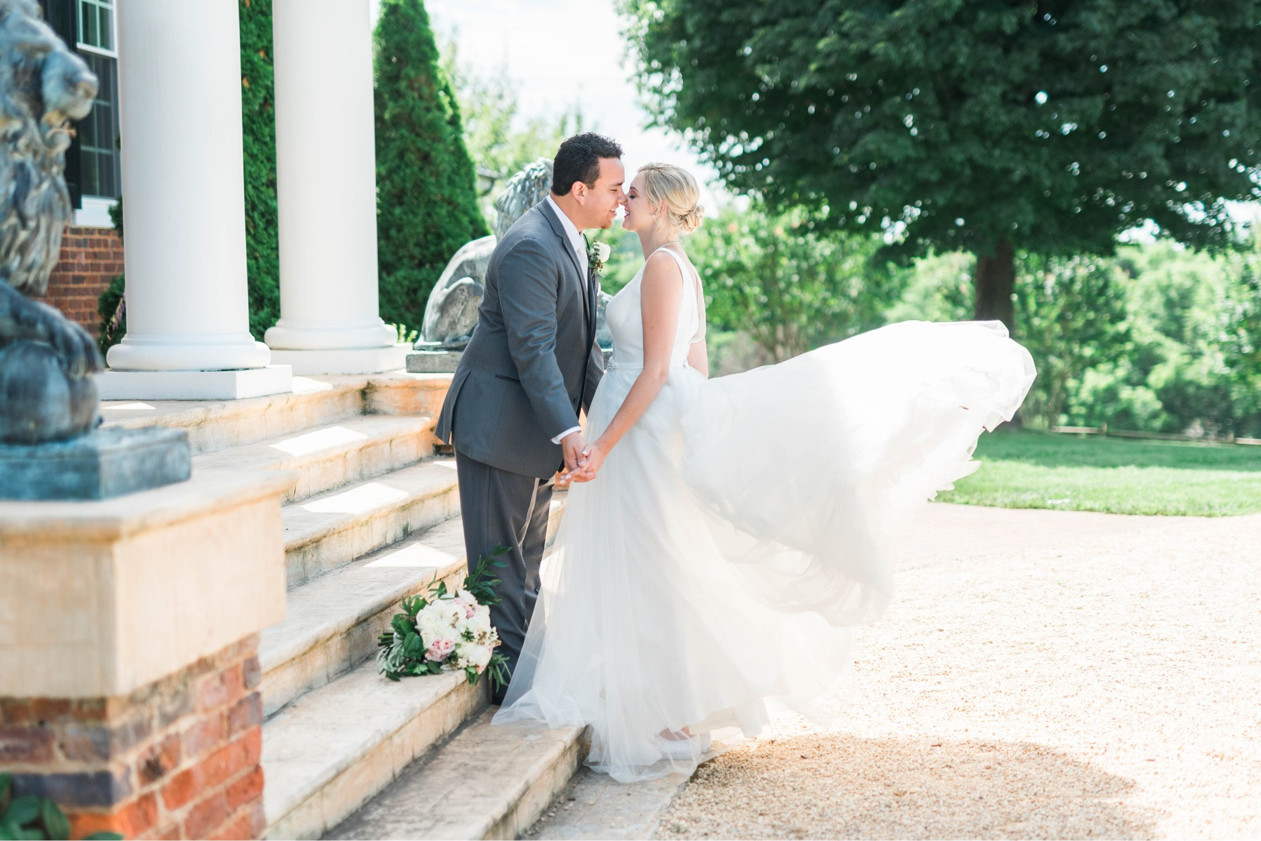 westmanorestate_entwinedevents_lynchburgweddingphotographer_Virginiaweddingphotographer_kateyam 7.jpg