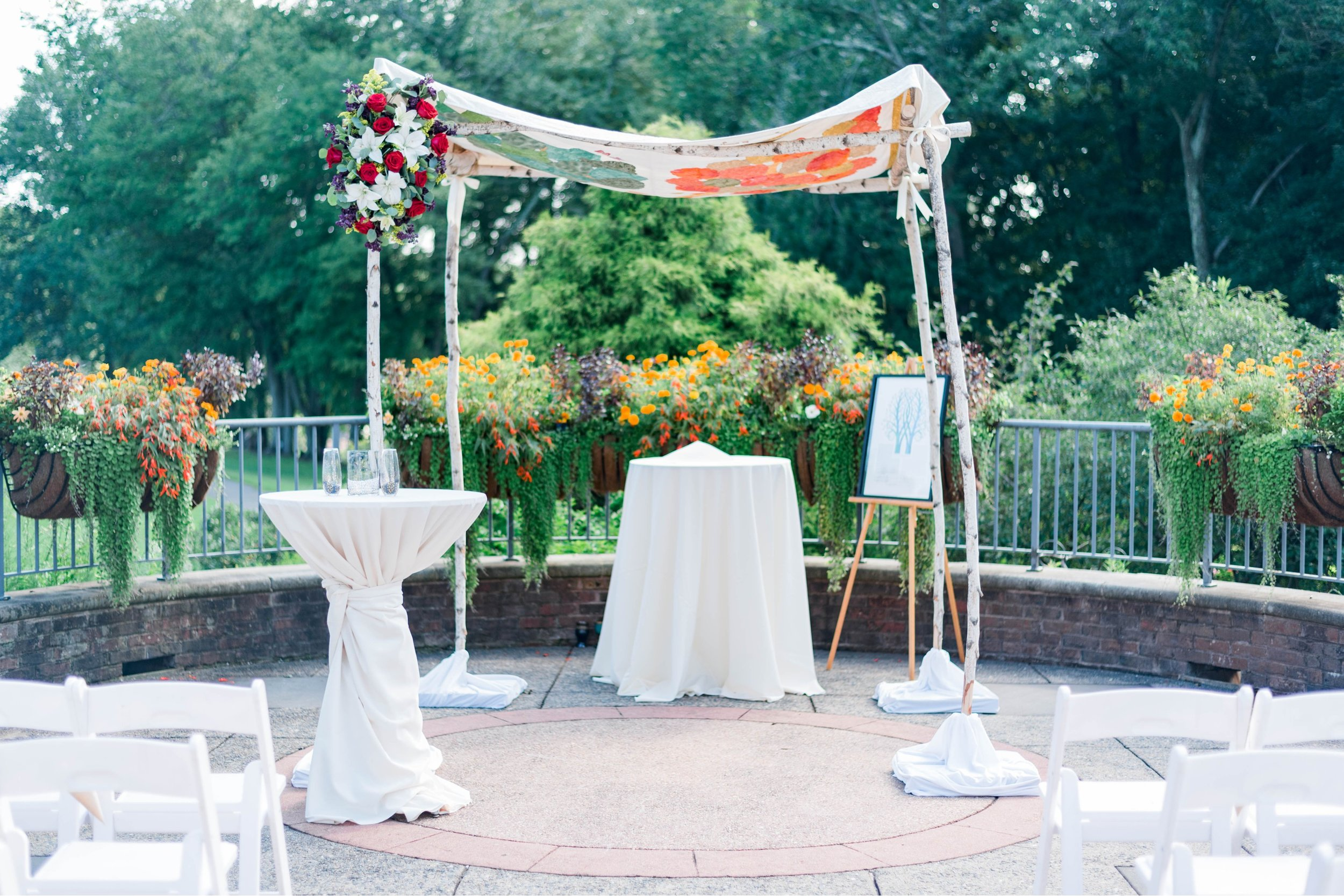 TheAtriumatMeadowlark_Virginiawedding photographer_lynchburgweddingphotographer_DCweddingPhotographer_KristinAaron 15.jpg