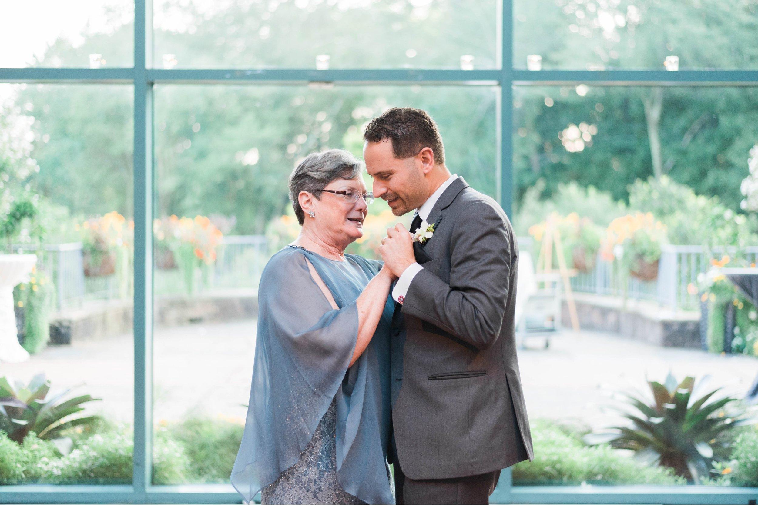 TheAtriumatMeadowlark_Virginiawedding photographer_lynchburgweddingphotographer_DCweddingPhotographer_KristinAaron 49.jpg