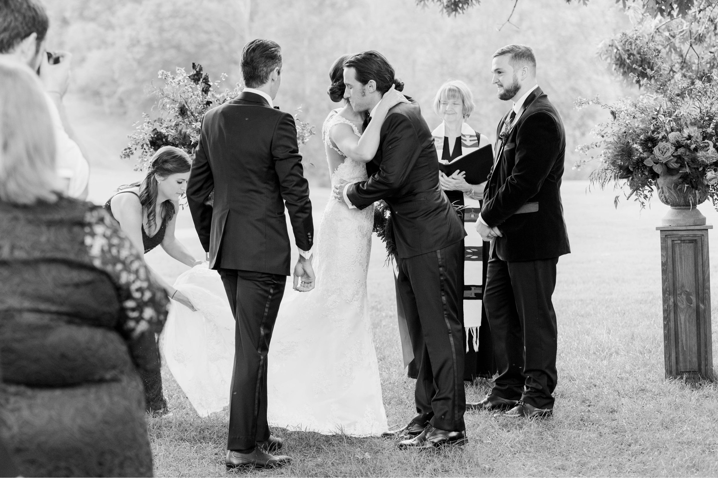 Gordan+Lauren_BoonsboroCountryClubWedding_Virginiaweddingphotographer_LynchburgVi 49.jpg