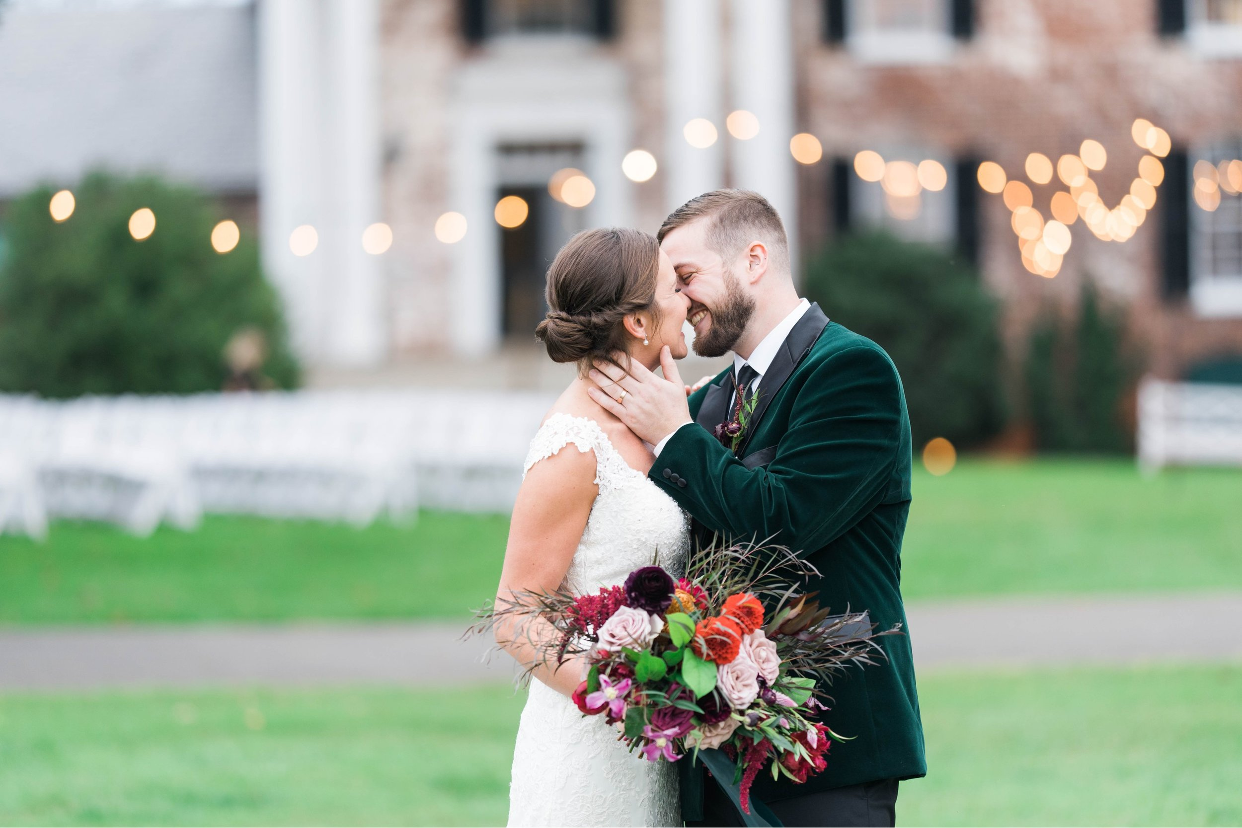 Gordan+Lauren_BoonsboroCountryClubWedding_Virginiaweddingphotographer_LynchburgVi 21.jpg