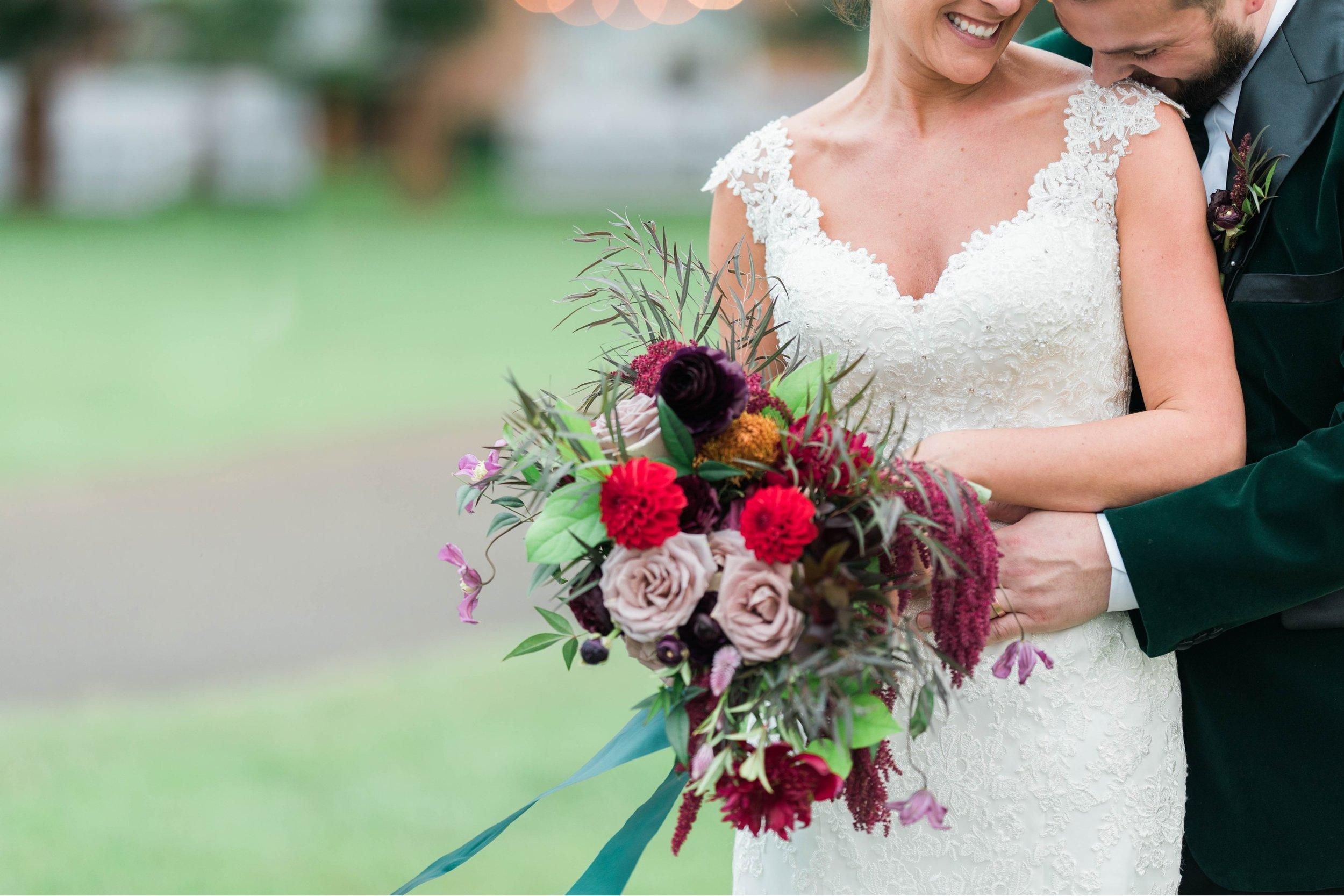 Gordan+Lauren_BoonsboroCountryClubWedding_Virginiaweddingphotographer_LynchburgVi 31.jpg