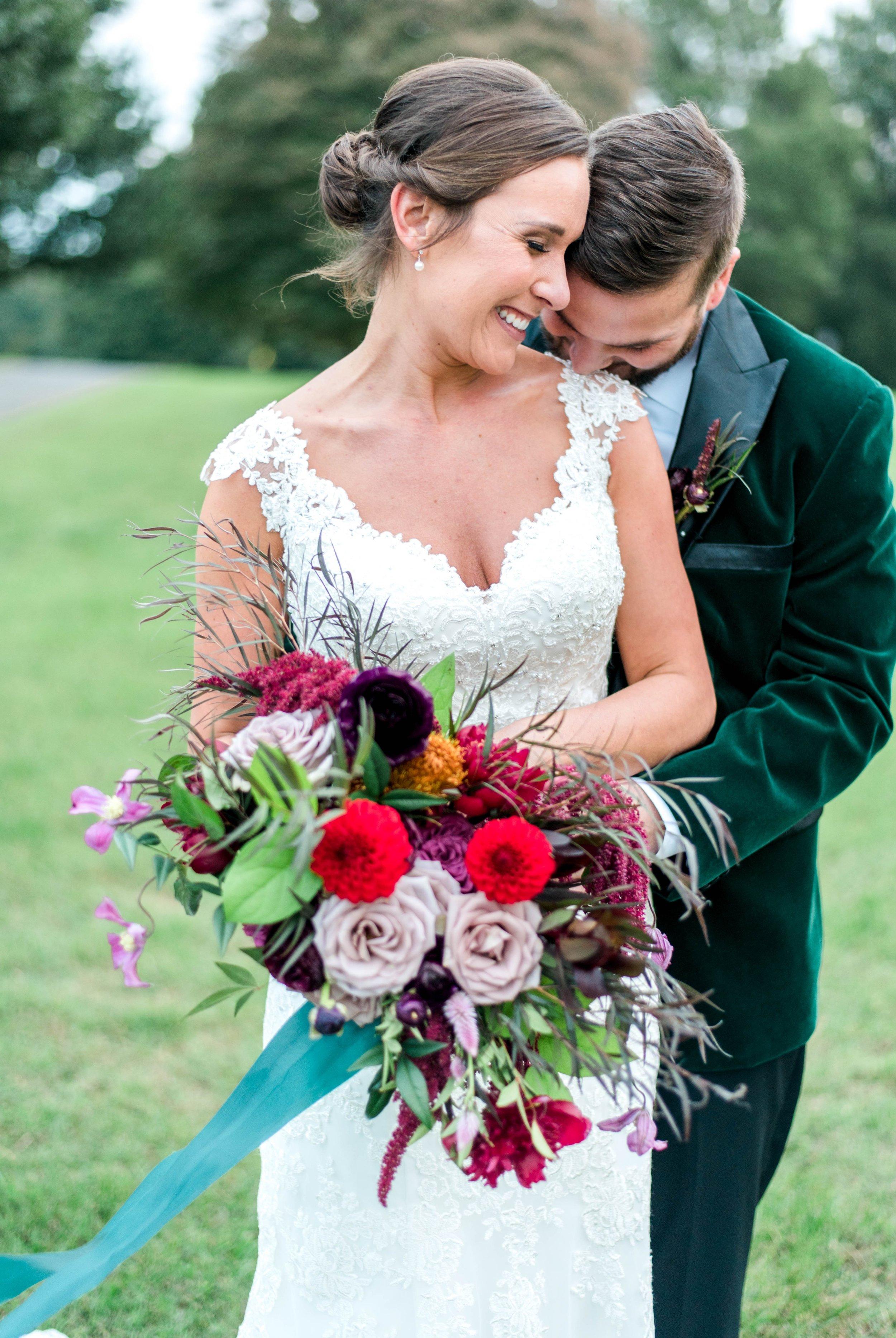 Gordan+Lauren_BoonsboroCountryClubWedding_Virginiaweddingphotographer_LynchburgVi 30.jpg