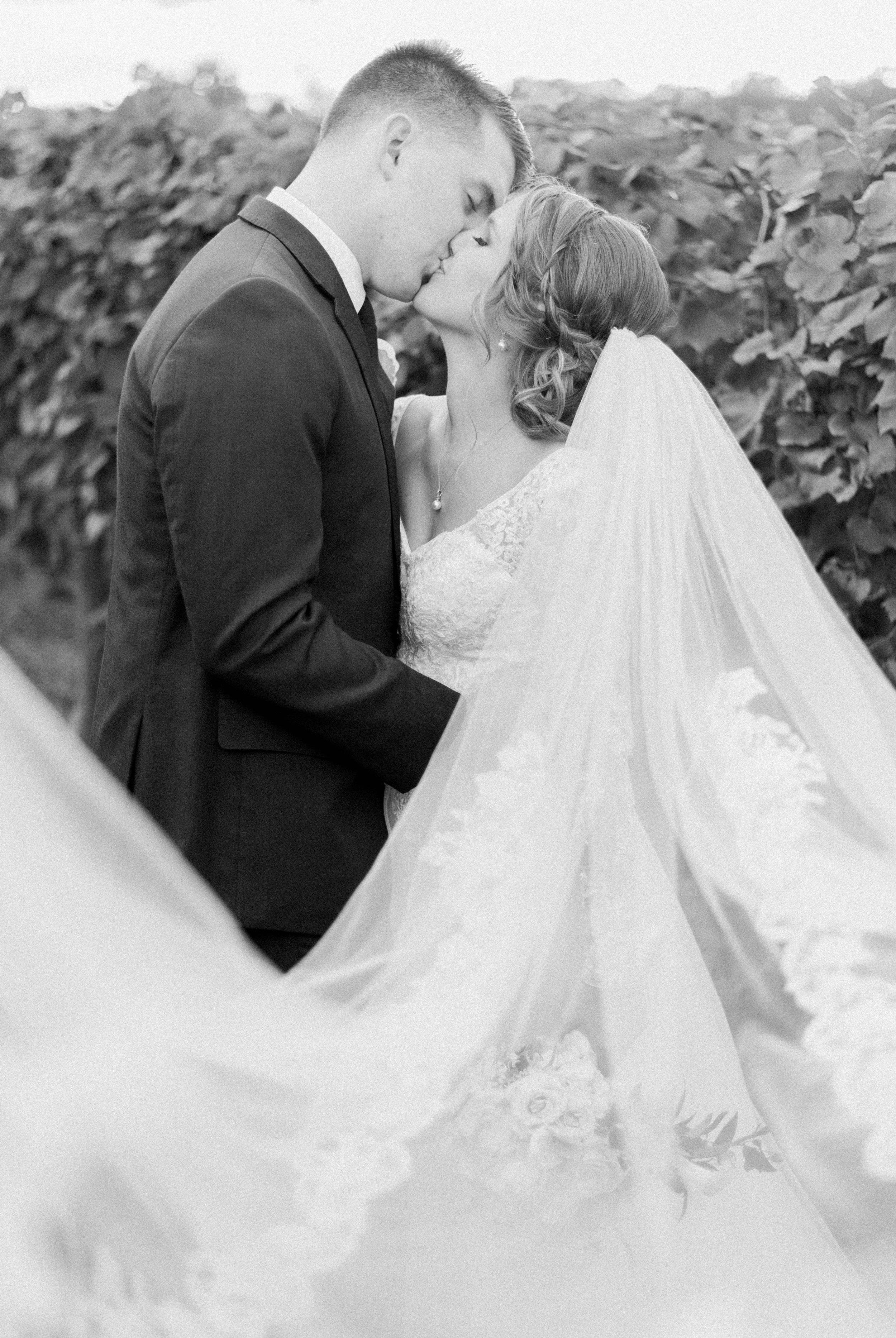 GrantElizabeth_wineryatbullrun_DCwedding_Virginiaweddingphotographer 24.jpg