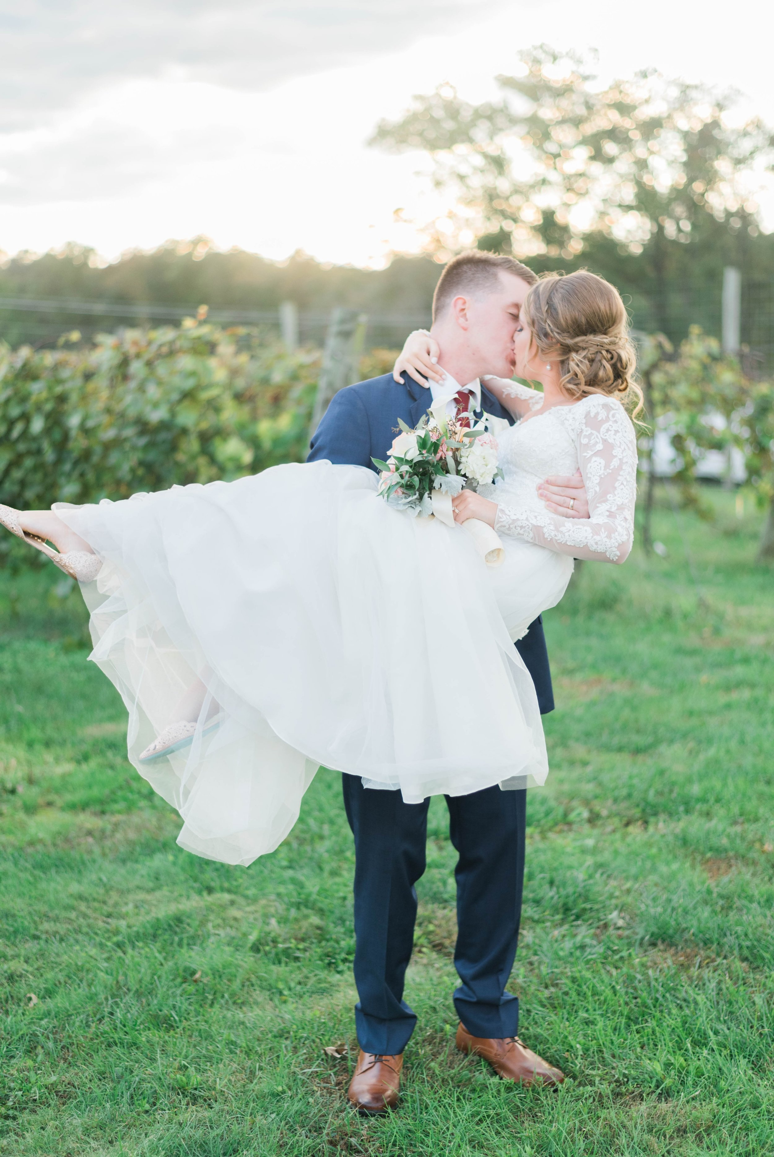 GrantElizabeth_wineryatbullrun_DCwedding_Virginiaweddingphotographer 32.jpg