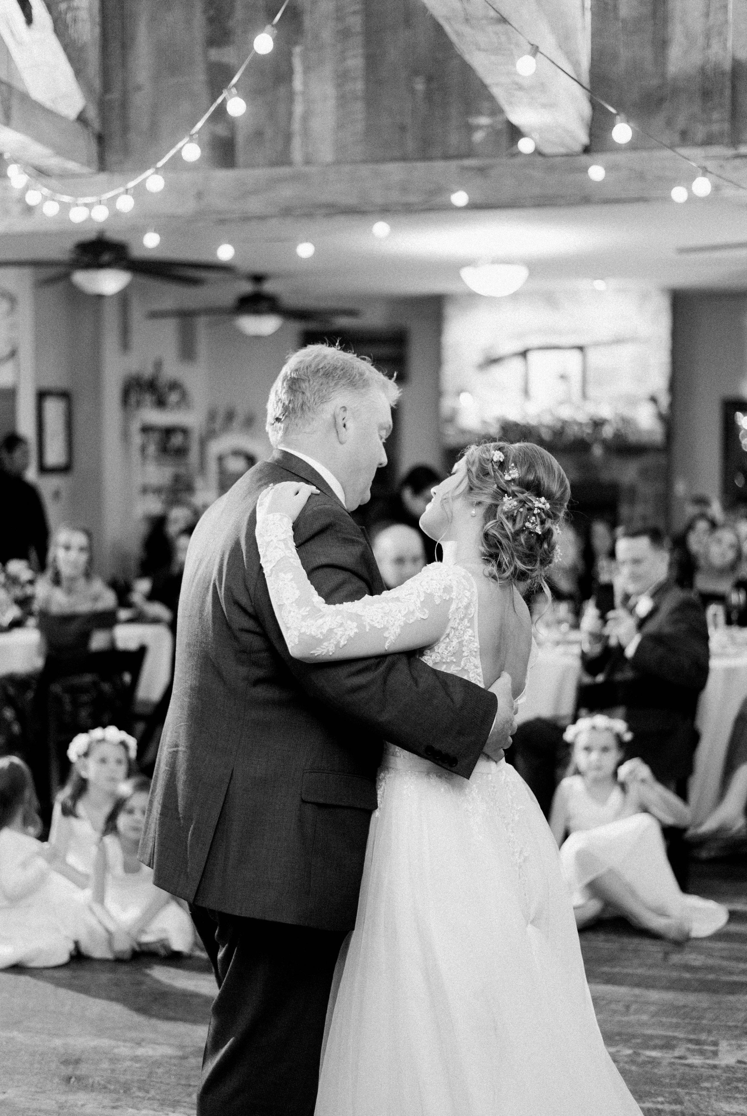 GrantElizabeth_wineryatbullrun_DCwedding_Virginiaweddingphotographer 1.jpg