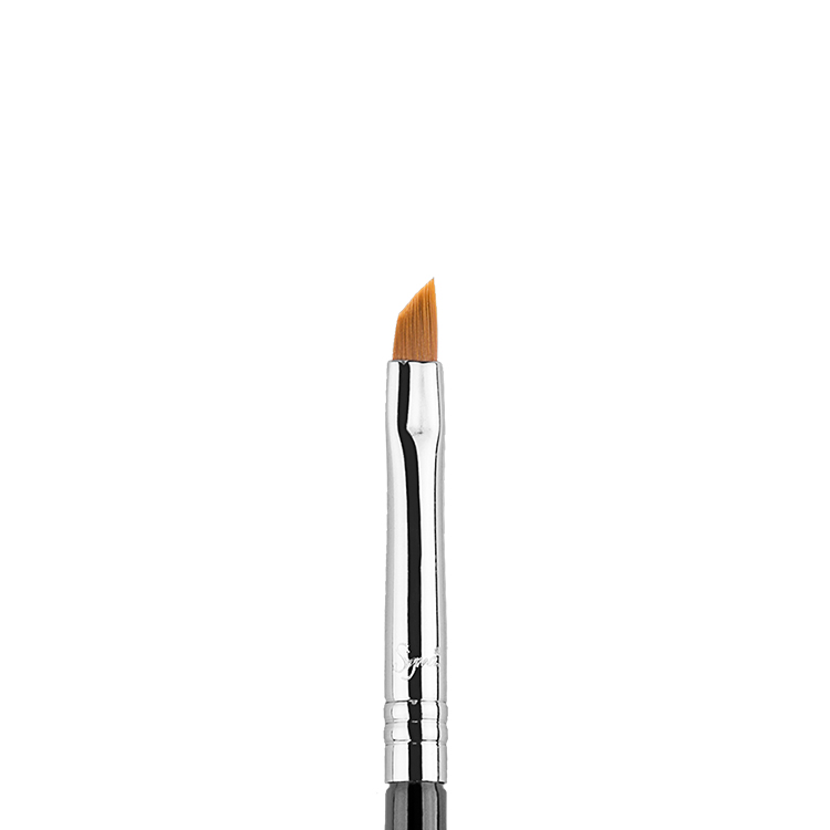 E06 - Winged Liner - Sigma Beauty