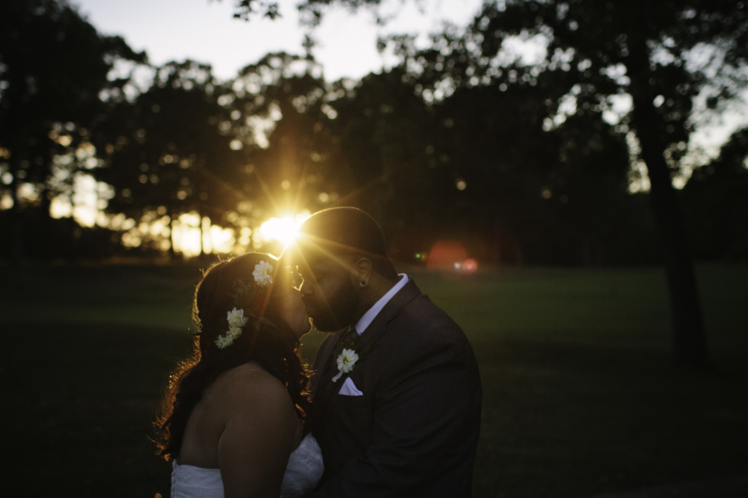 Locklane Weddings & Events, Intimate fall wedding at a Tennessee state park   Photo by Whitney Madlom