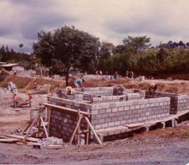 Building houses in San Juan Sacatepéquez after the earthquake
