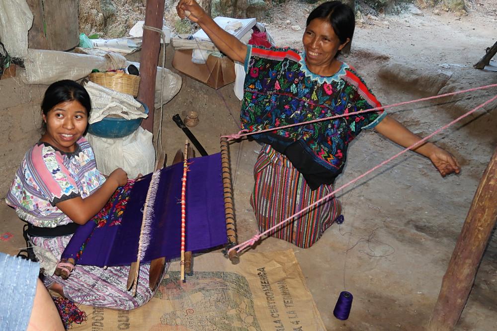 Weaving2E.jpg