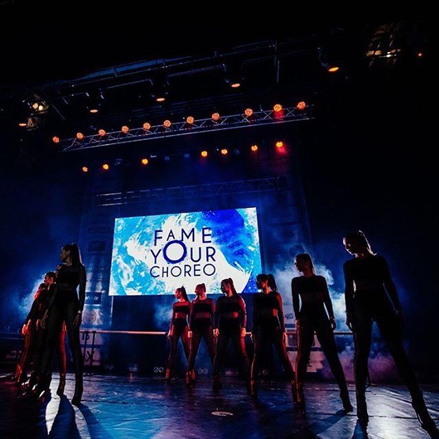 🔥This Is Hot! dance project💃🏼 📸Photo by @vtphoto89 ⠀ #thisishotdanceproject #cautionhotproduction #cautionhotbigteam #шоубалет #шоубалетмосква #танцорымосква #танцевальноешоу #cautionhotdanceproject #нaшимечты