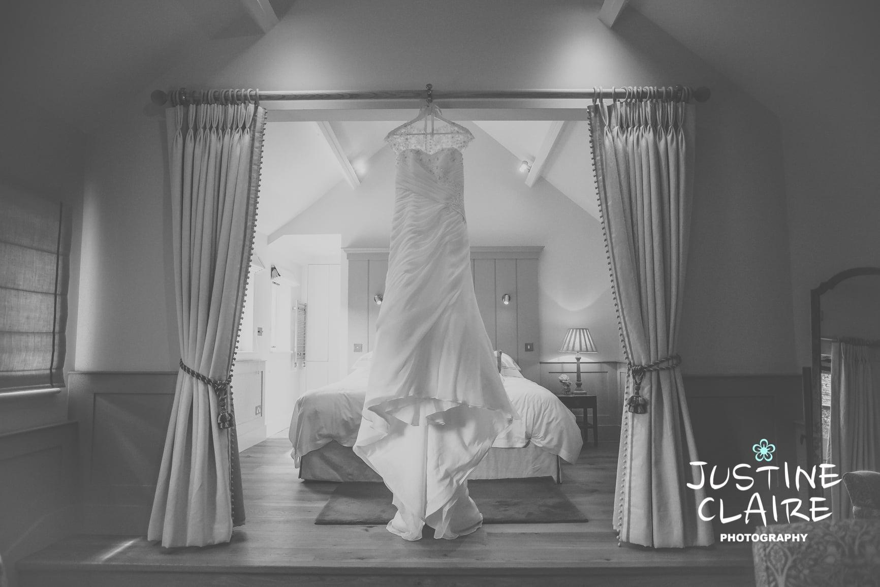 Farbridge Barn Wedding Photographers, West Sussex Wedding Photos1.jpg