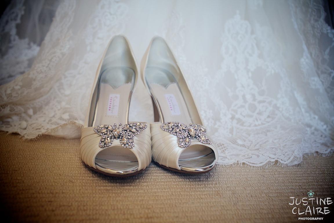 Upwaltham Barns Photographers Wedding Venue Sussex 0353.jpg