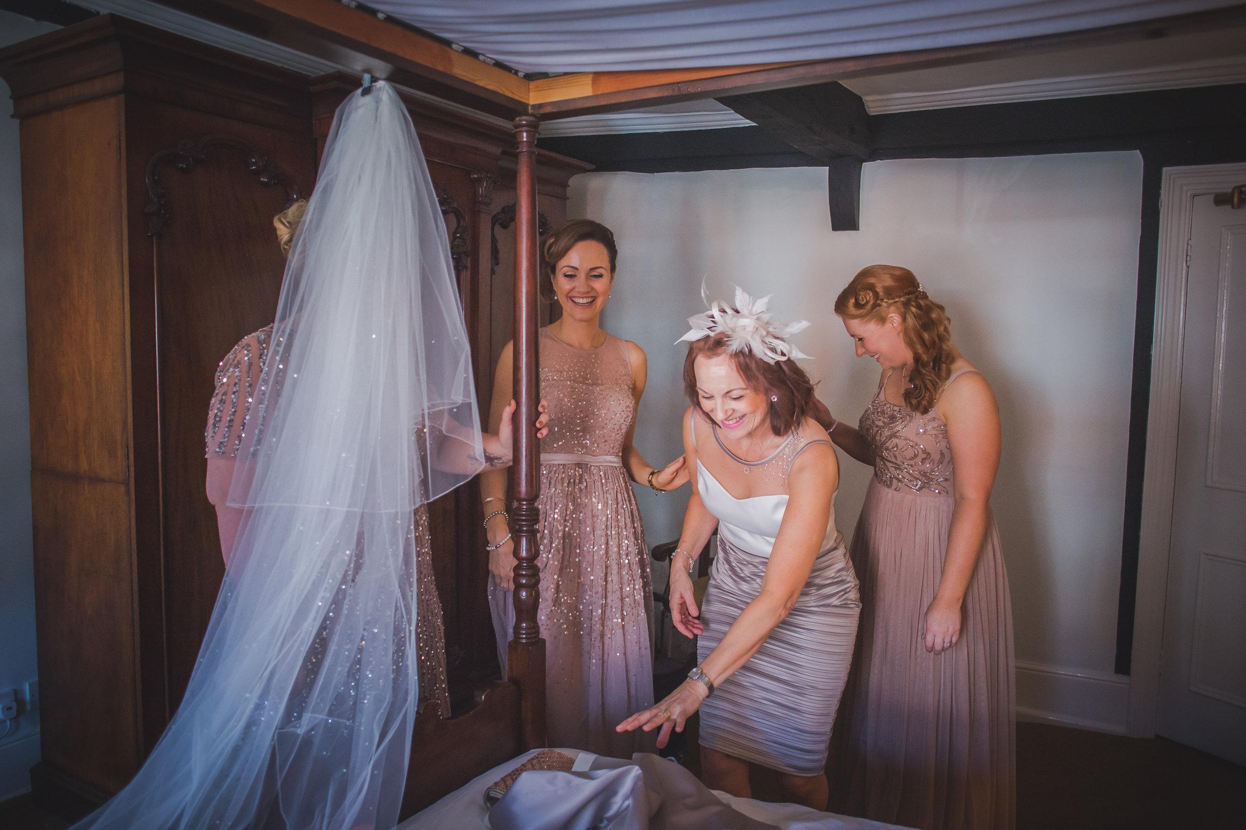 Grittenham Barn female wedding photographers west sussex petworth social-11.jpg