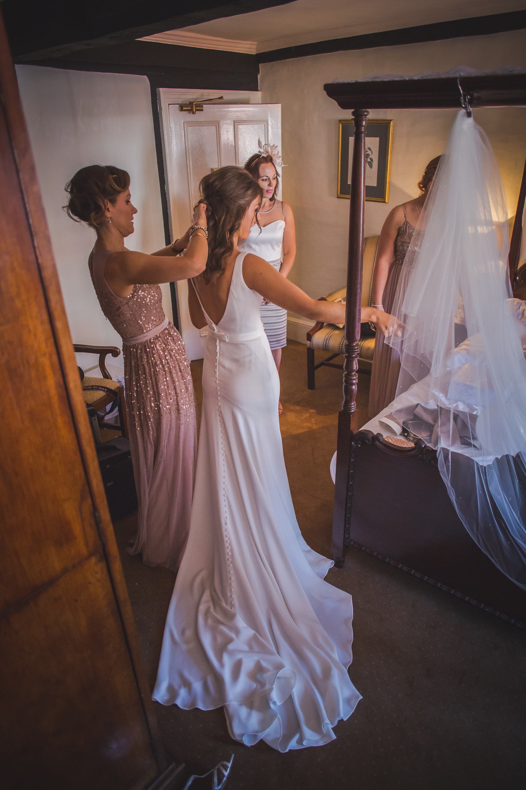Grittenham Barn female wedding photographers west sussex petworth social-13.jpg